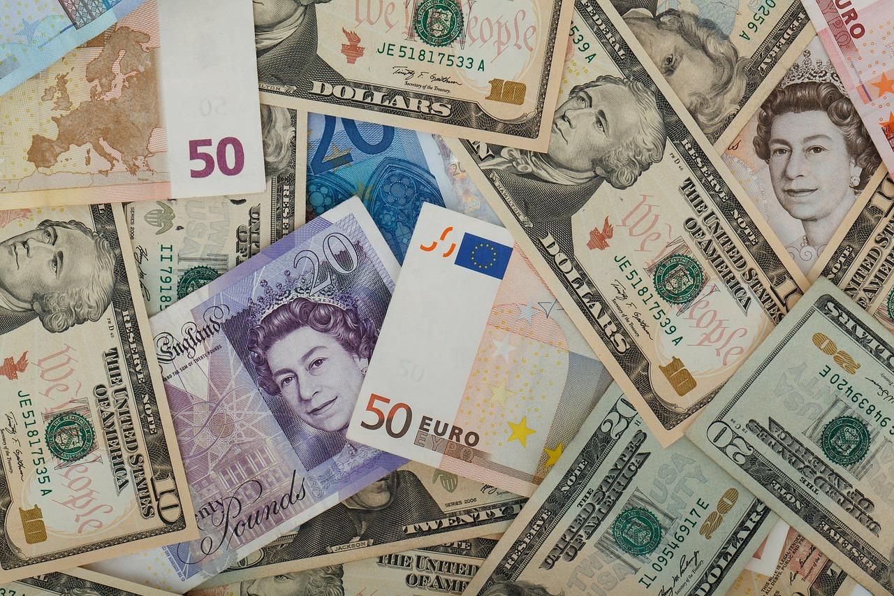 polywander-mindfull-money-management.jpg