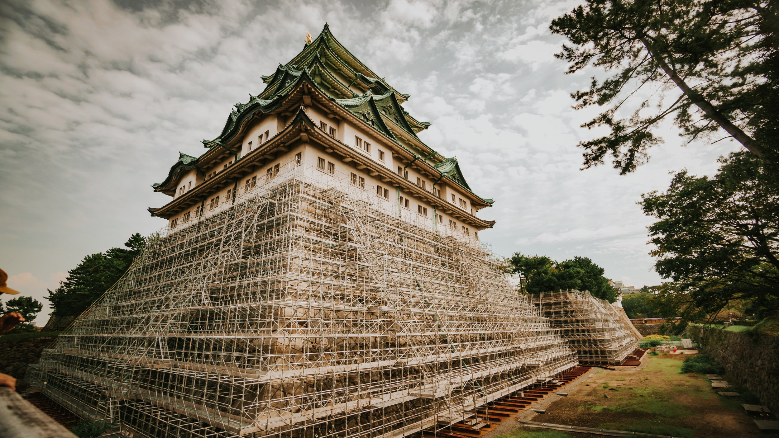 polywander-what-to-do-in-nagoya-japan-castle.jpeg