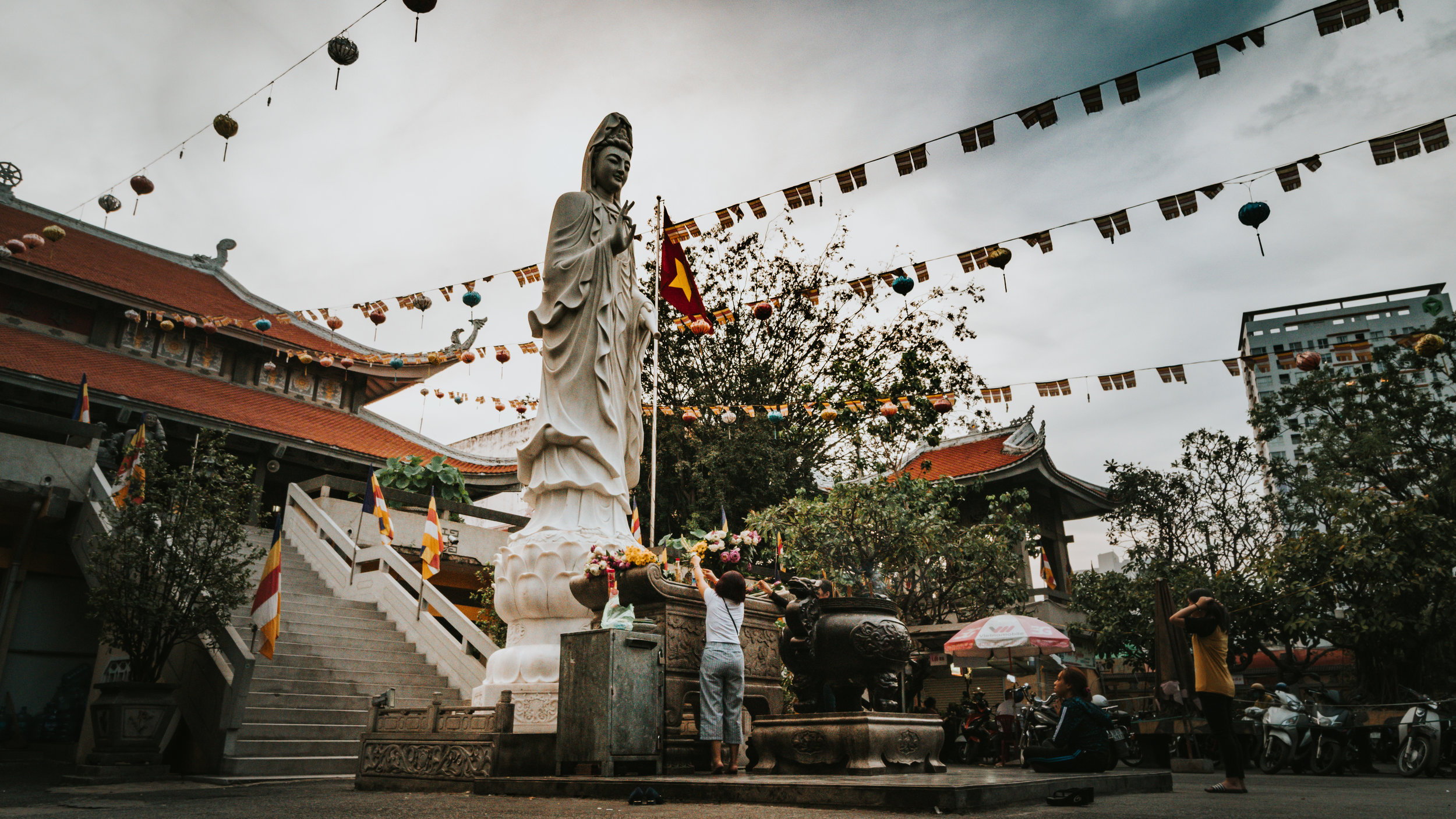 Guanyin statue at the courtyard entrance