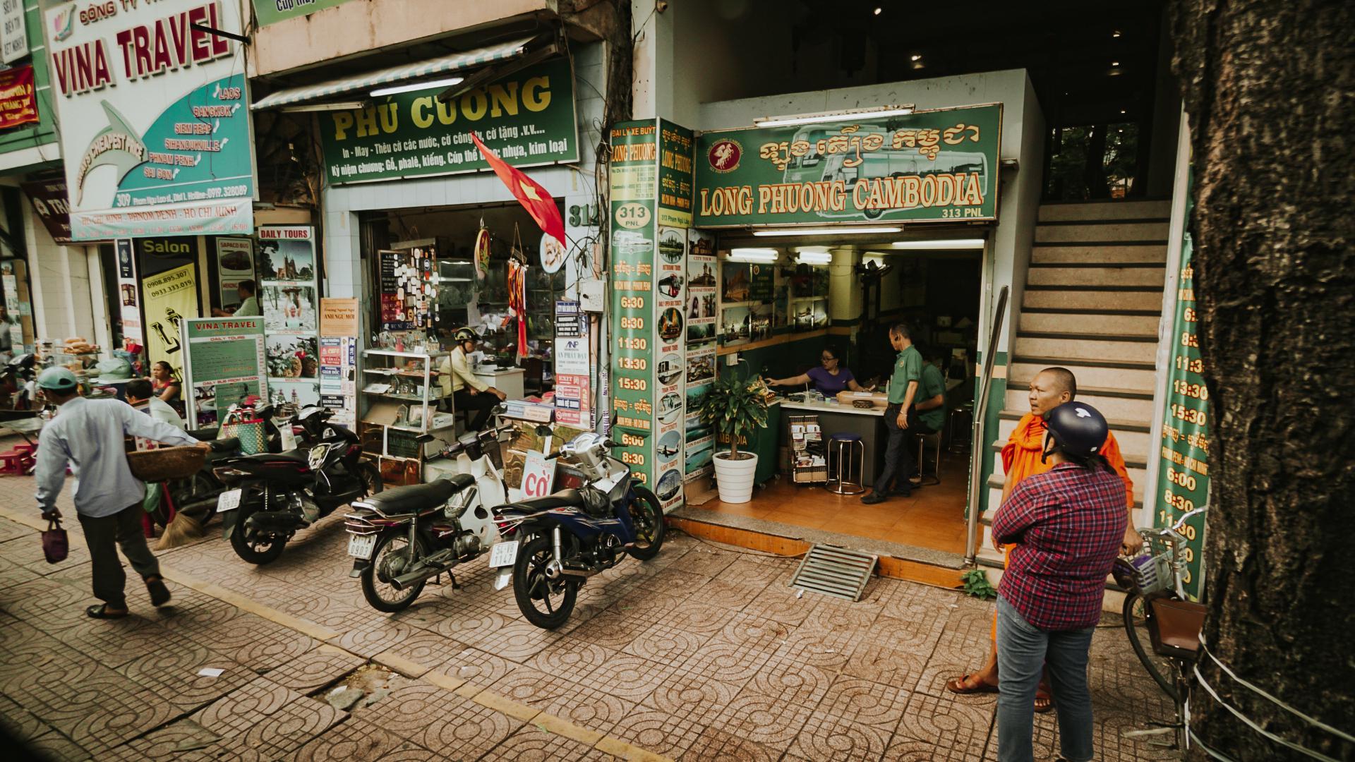 polywander-border-between-vietnam-and-cambodia