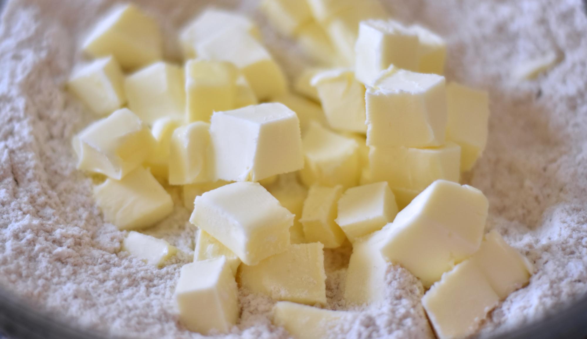 Cubed Butter in Flour_v01.png