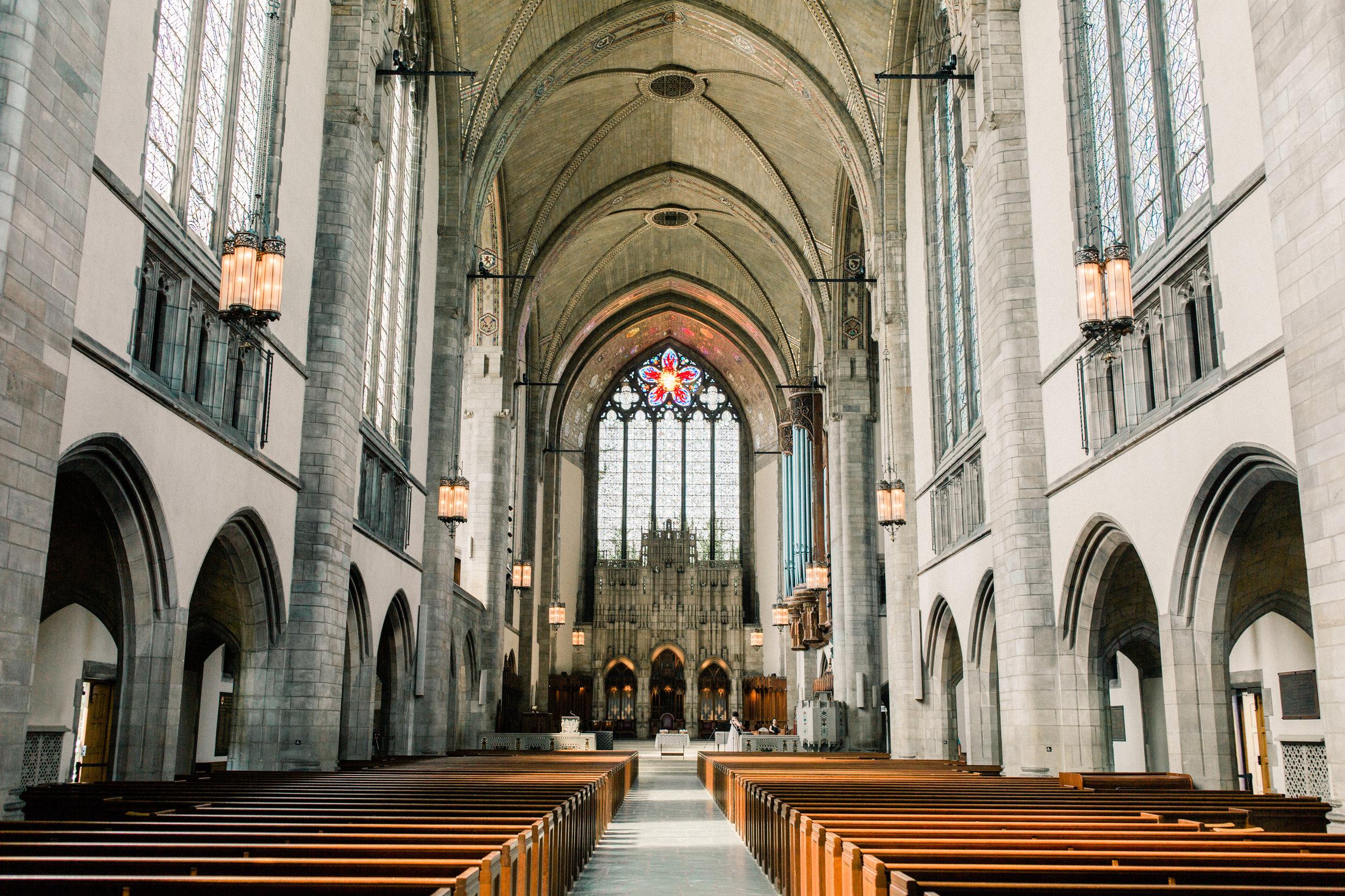 Dorothy_Louise_Photography_University_of_Chicago_Chapel_Wedding-14.jpg