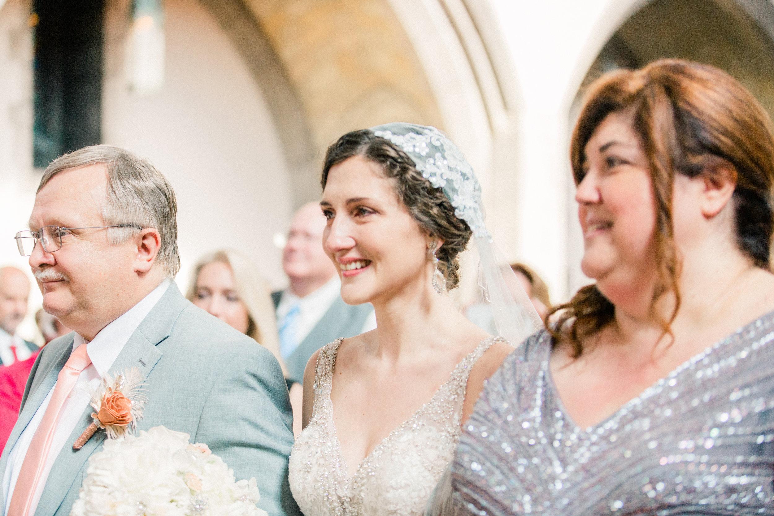 Dorothy_Louise_Photography_University_of_Chicago_Chapel_Wedding-21.jpg