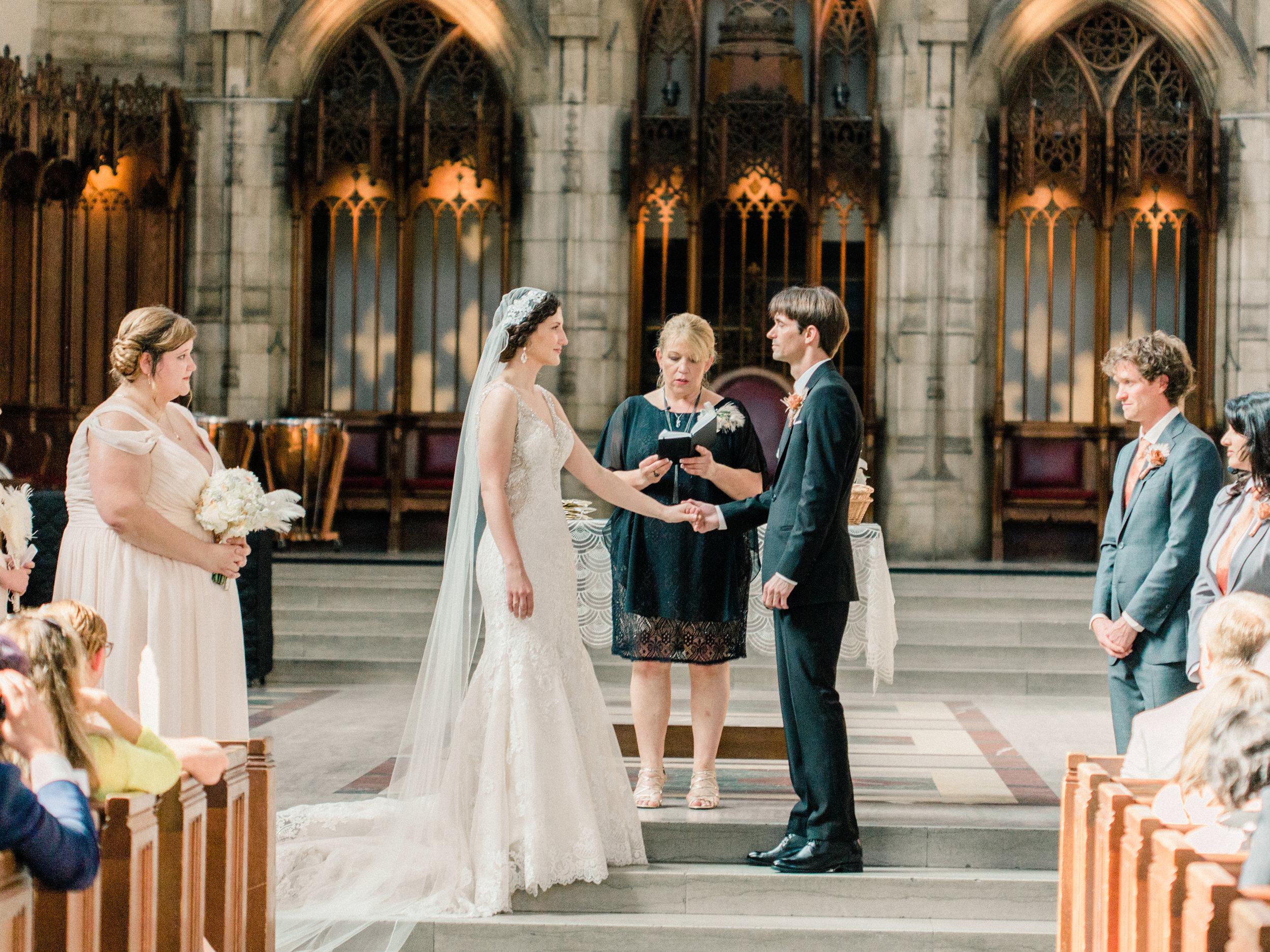 Dorothy_Louise_Photography_University_of_Chicago_Chapel_Wedding-25.jpg