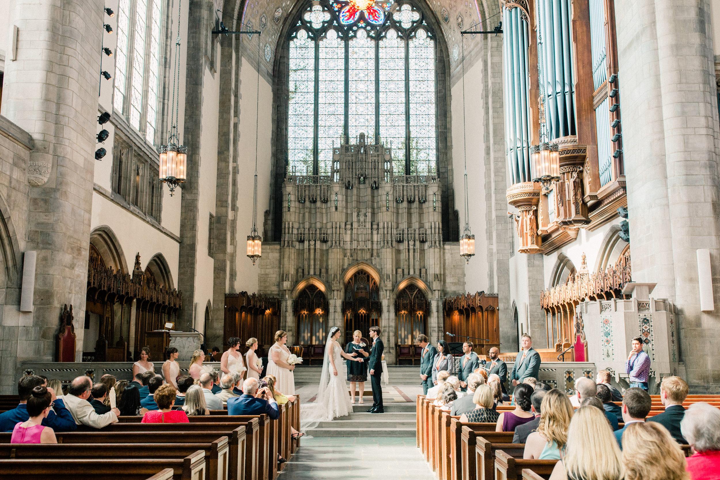 Dorothy_Louise_Photography_University_of_Chicago_Chapel_Wedding-30.jpg