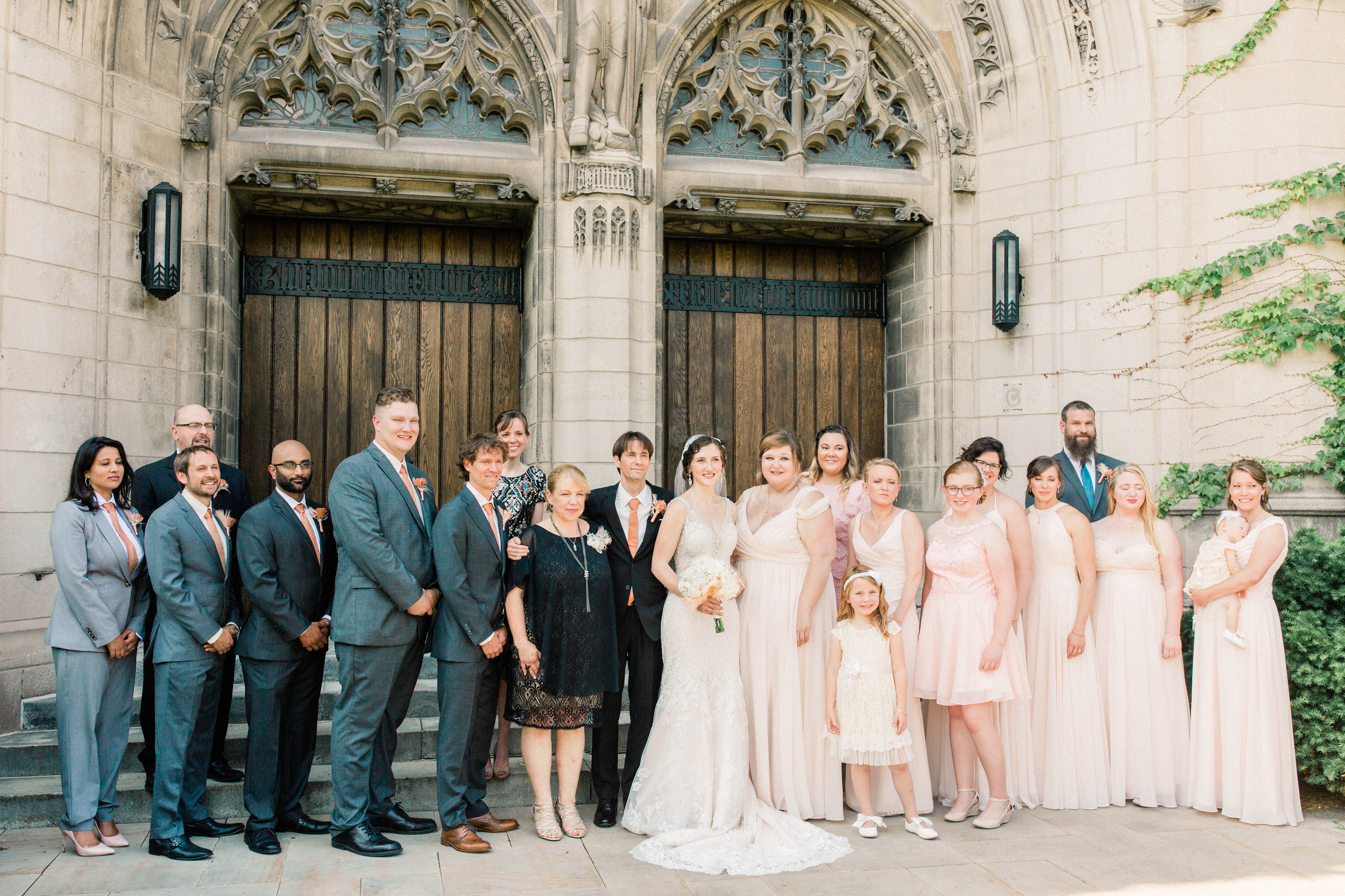 Dorothy_Louise_Photography_University_of_Chicago_Chapel_Wedding-42.jpg