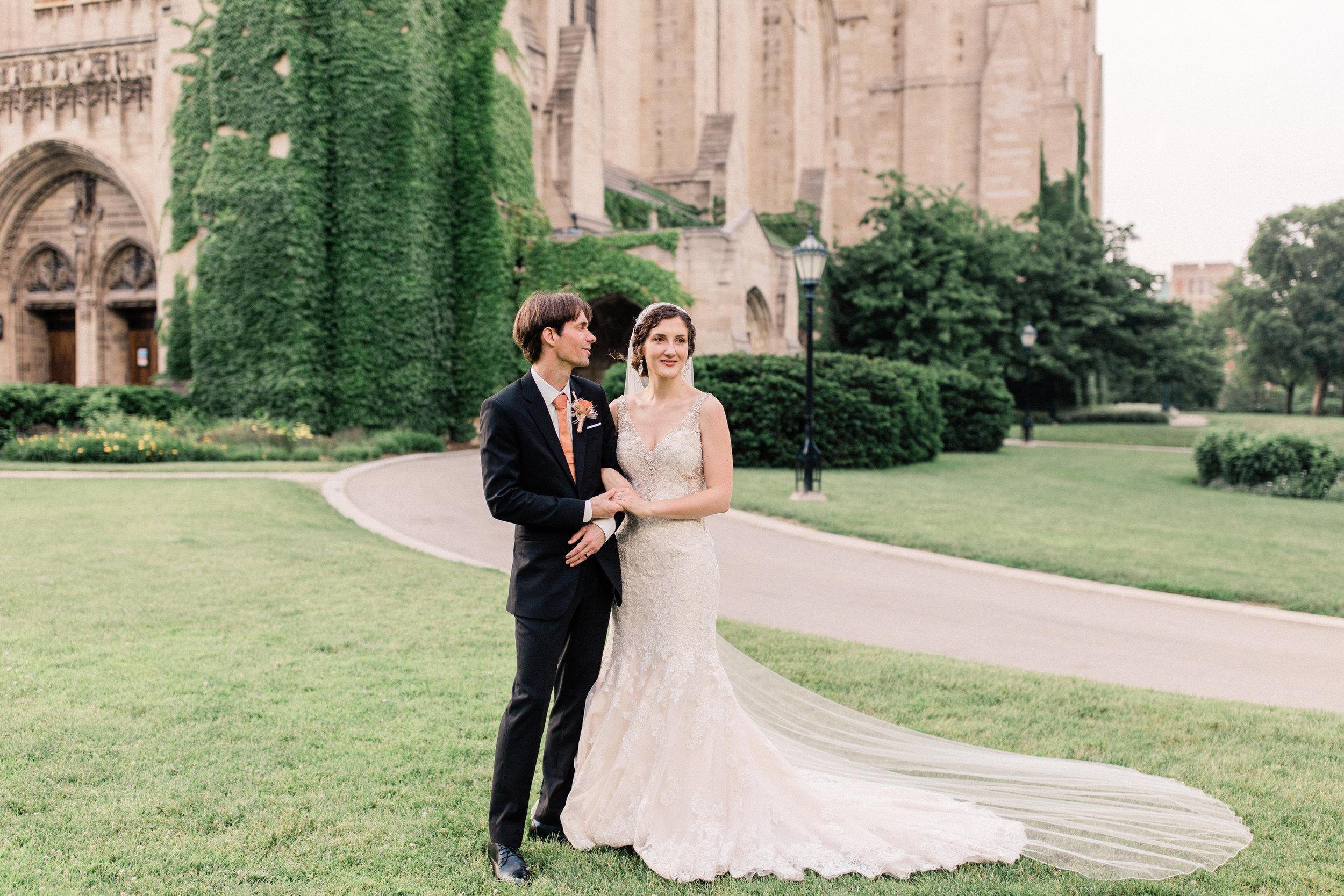 Dorothy_Louise_Photography_University_of_Chicago_Chapel_Wedding-71.jpg