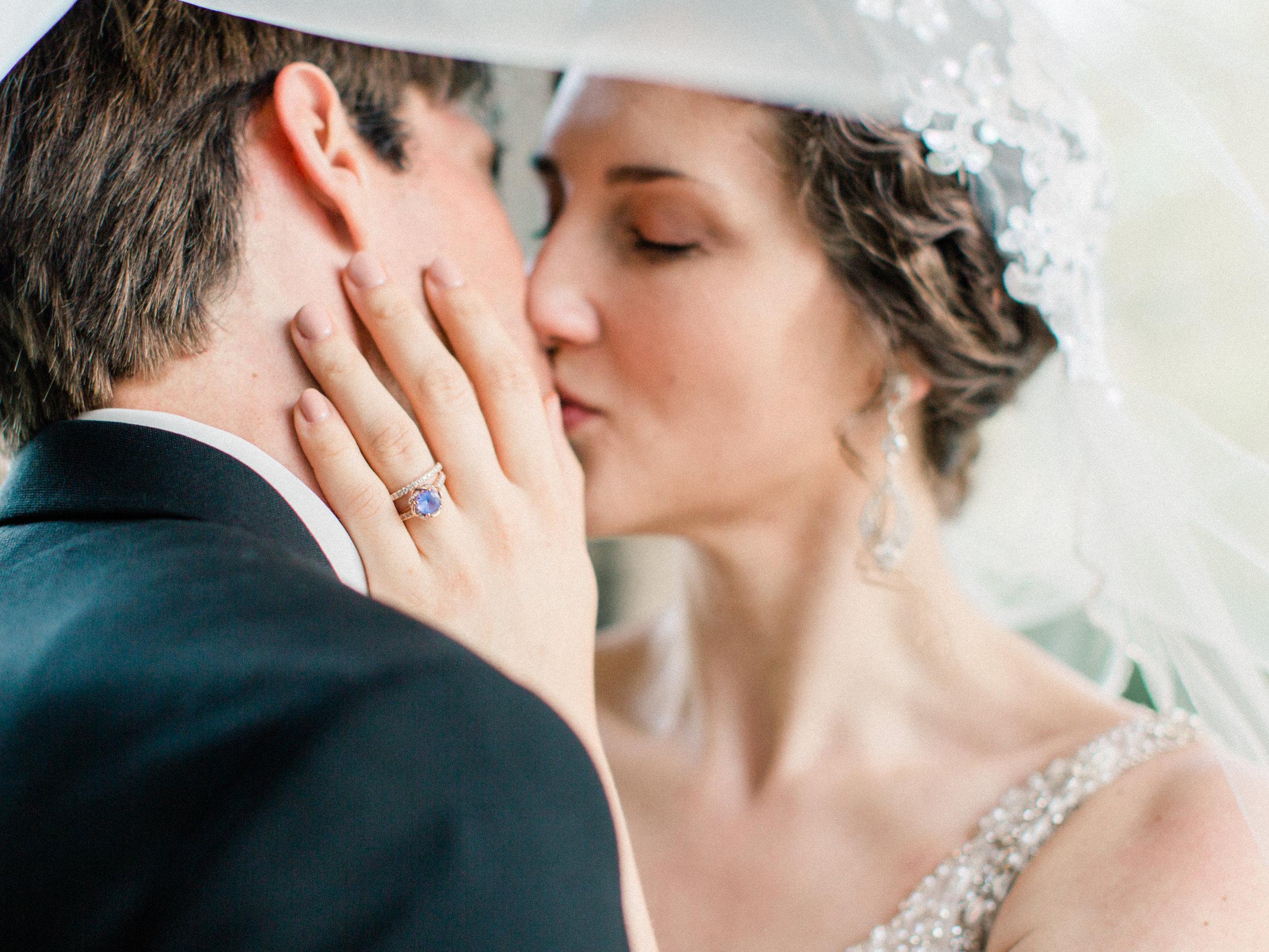 Dorothy_Louise_Photography_University_of_Chicago_Chapel_Wedding-51.jpg