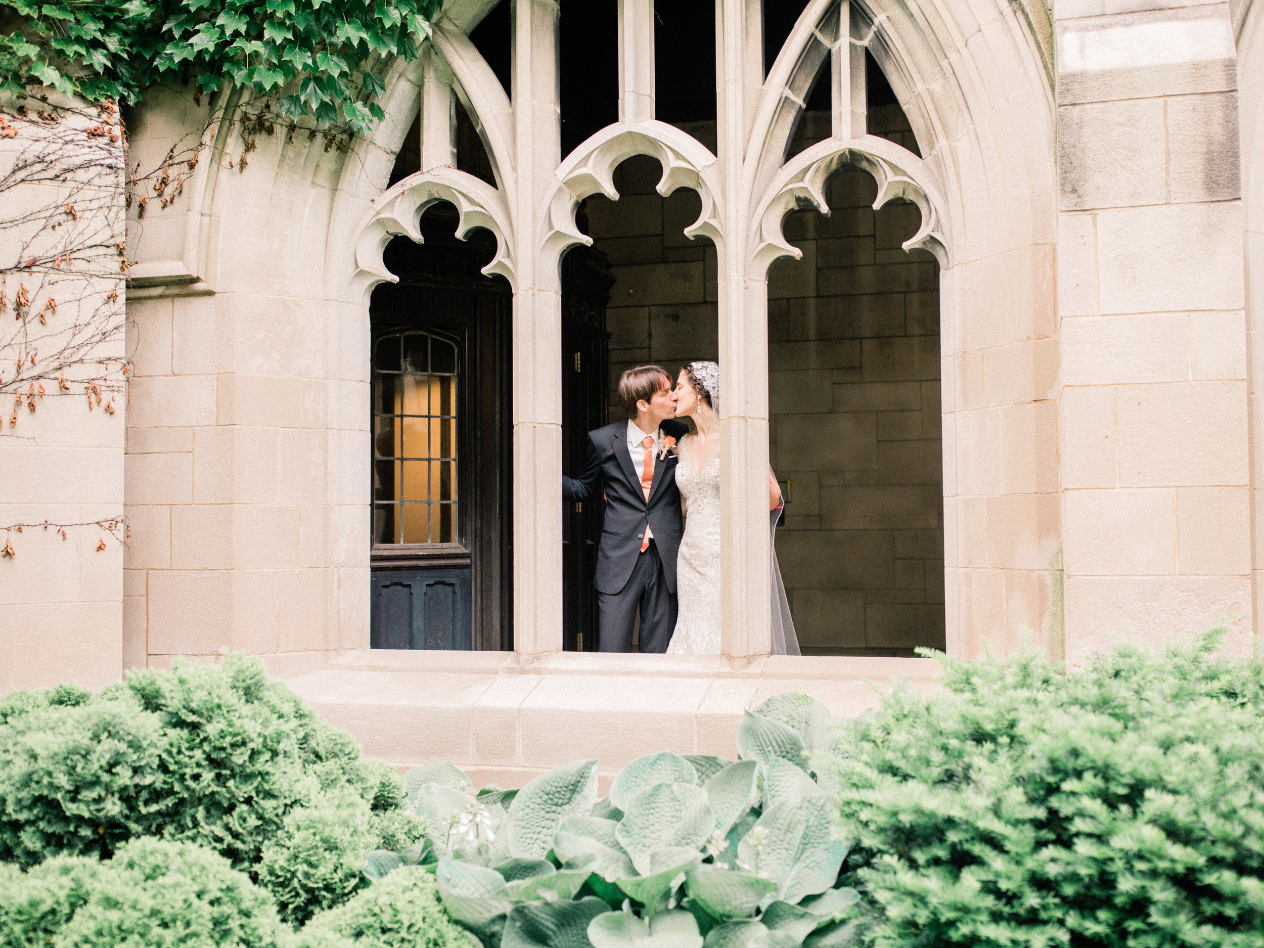 Dorothy_Louise_Photography_University_of_Chicago_Chapel_Wedding-85.jpg