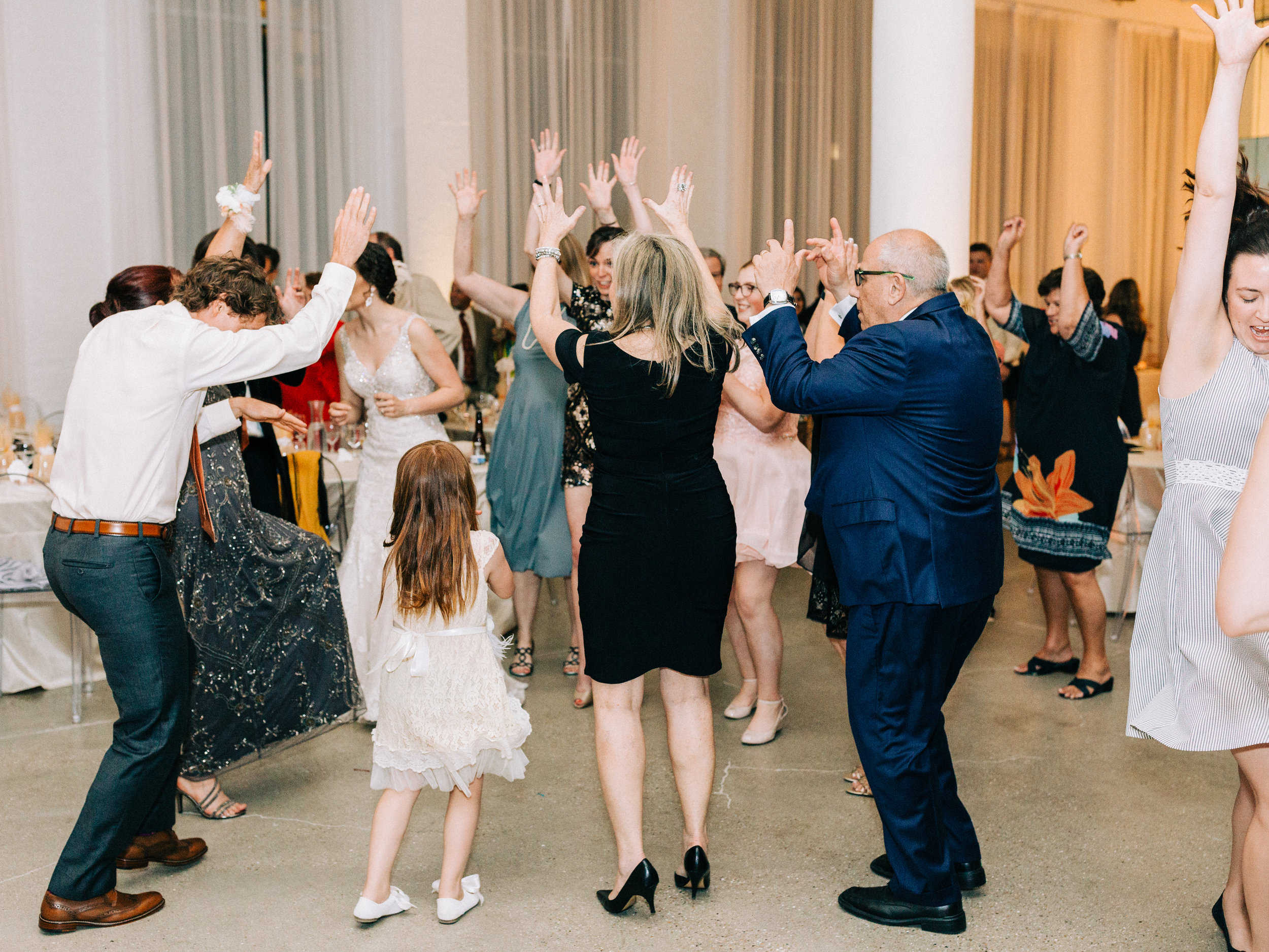 Dorothy_Louise_Photography_University_of_Chicago_Chapel_Wedding-111.jpg