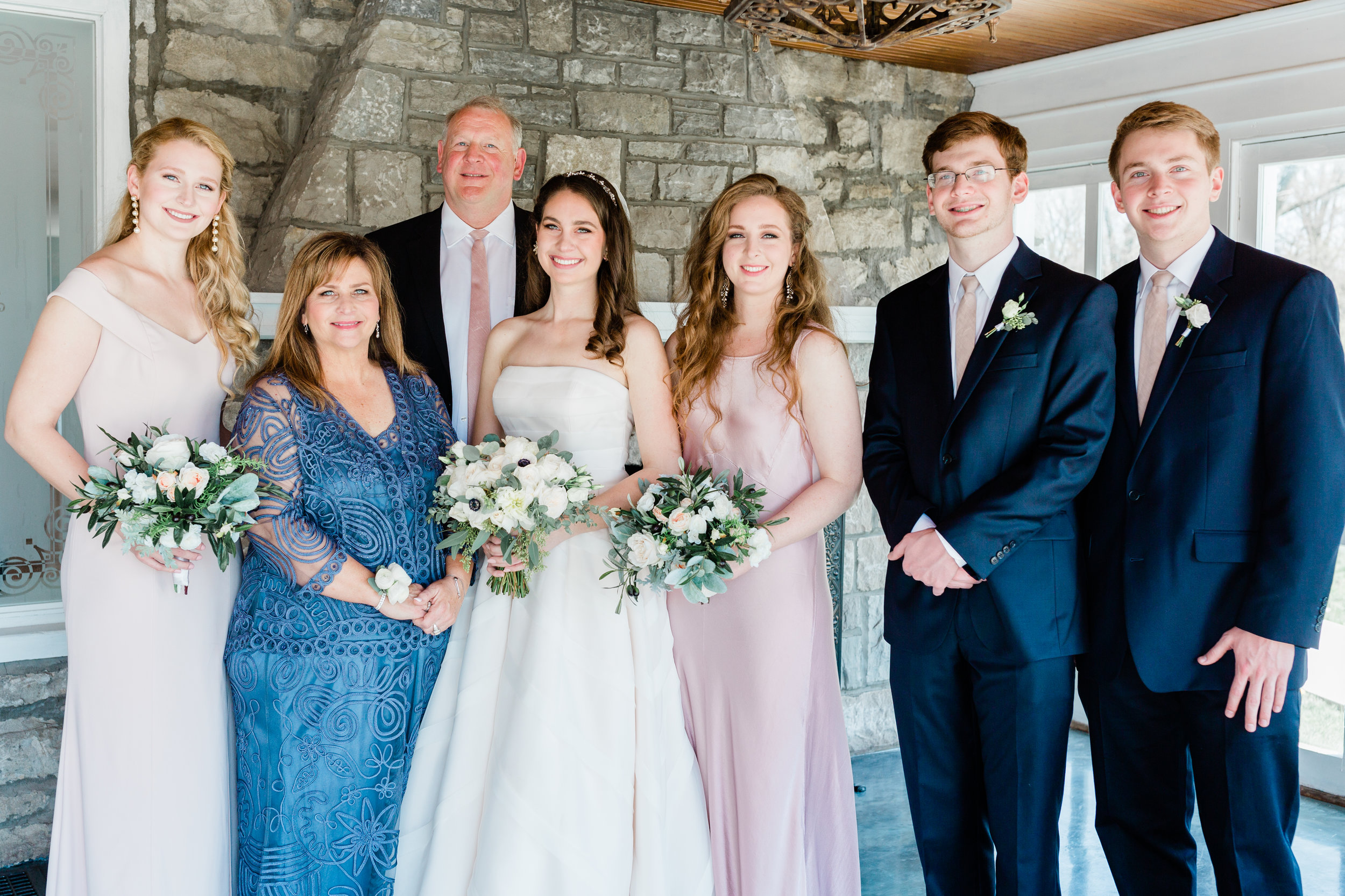 Dorothy_Louise_Photography_Amanda_Ryan_Stone_House_St_Charles_Wedding-9460.jpg