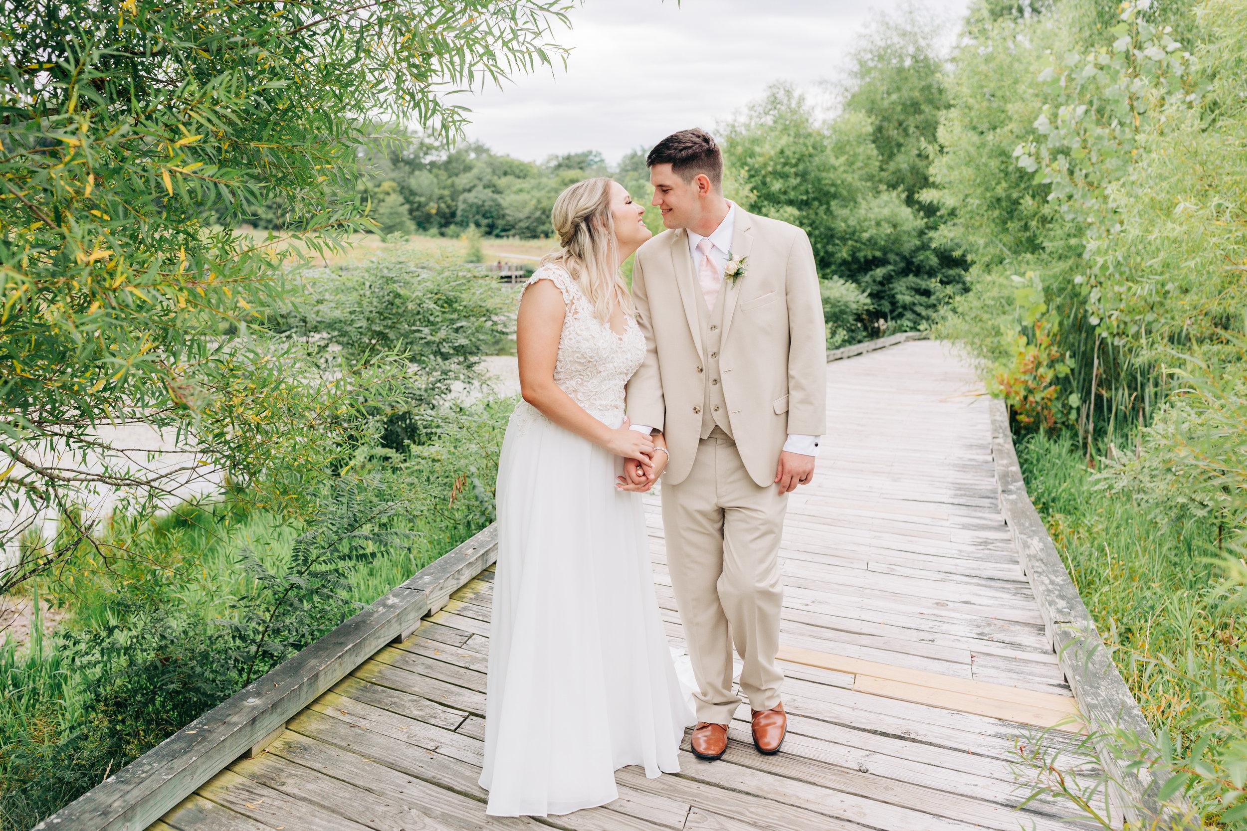 Dorothy_Louise_Photography_Marissa_Jake_Wentzville_MO_Wedding-35.jpg