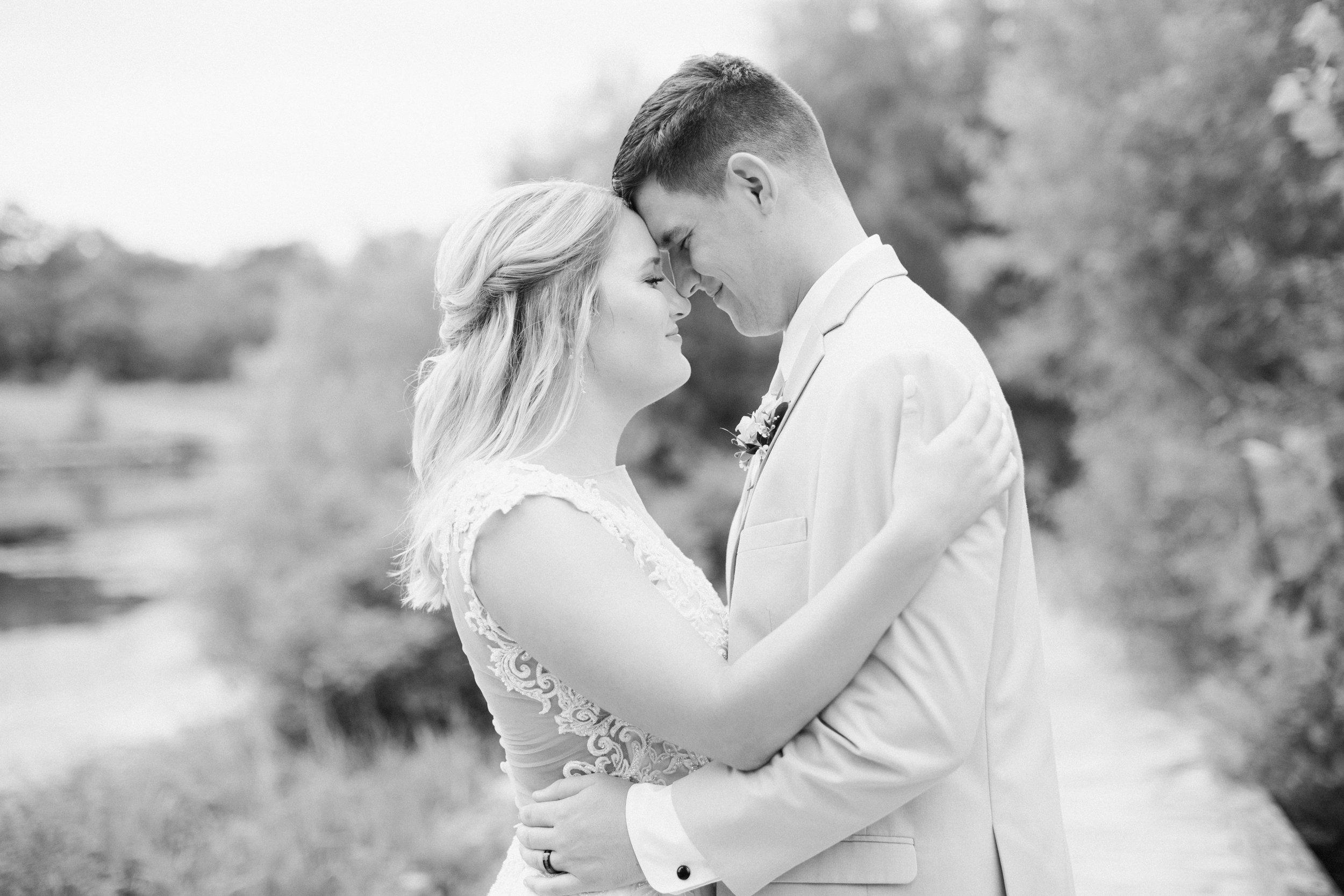 Dorothy_Louise_Photography_Marissa_Jake_Wentzville_MO_Wedding-67.jpg