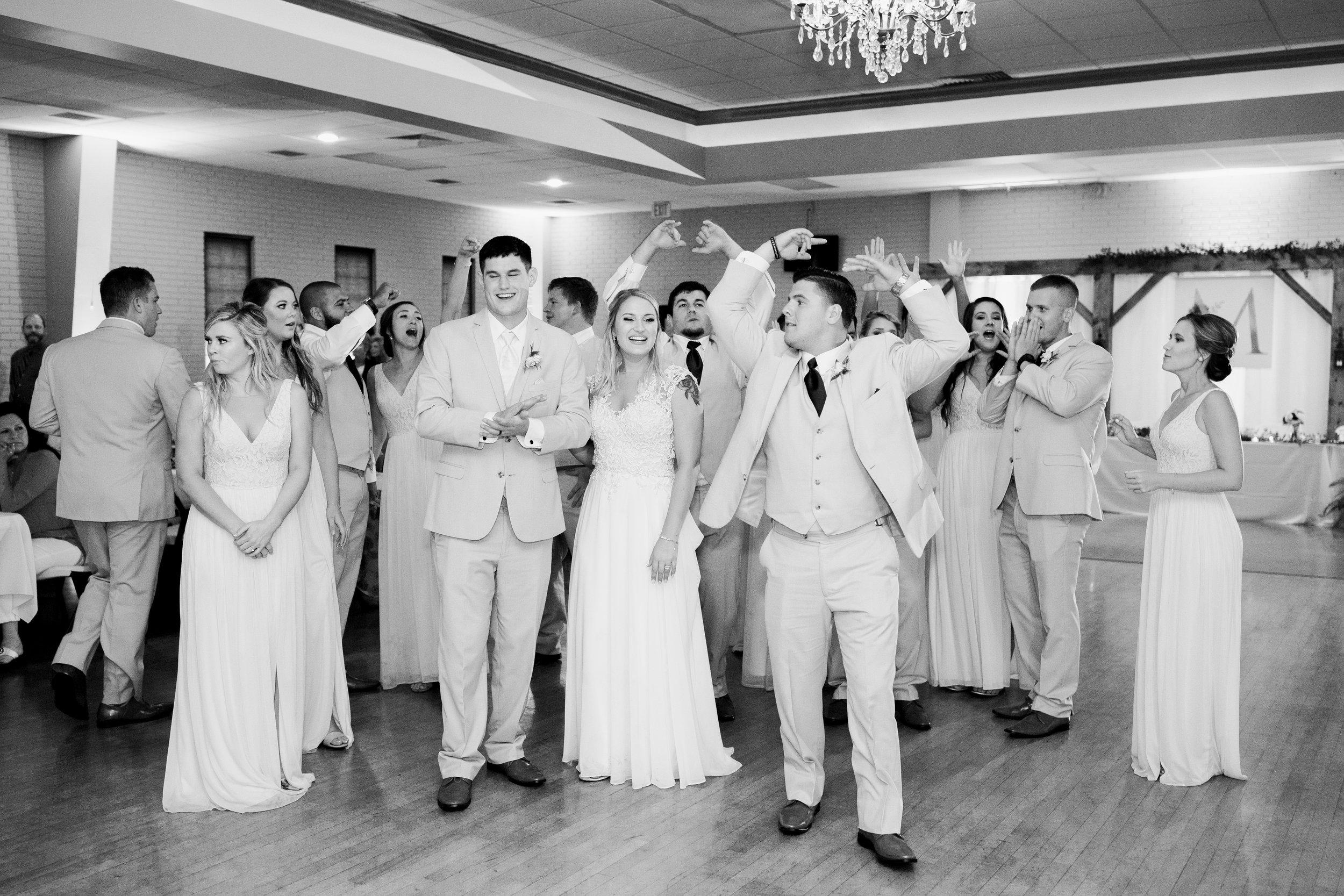 Dorothy_Louise_Photography_Marissa_Jake_Wentzville_MO_Wedding-238.jpg