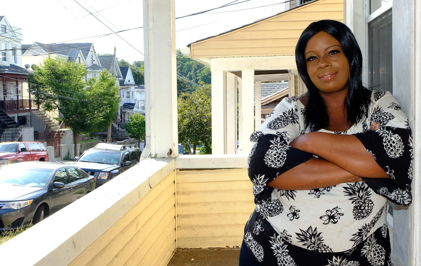 New York - September 30, 2016 - Tamica photographed outside her house in Staten Island, knows that her 16-year-old son would be better off away from the gray walls and iron bars of Rikers Island. ?He?s a kid, he shouldn?t be in jail. (Luiz C. Ribeiro / for New York Daily News)
