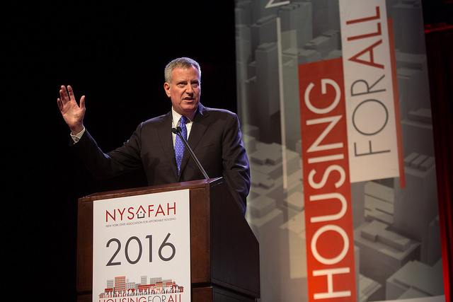 Mayor Bill de Blasio speaking at the New York State Association for Affordable Housing Conference (Mayor's Flickr)