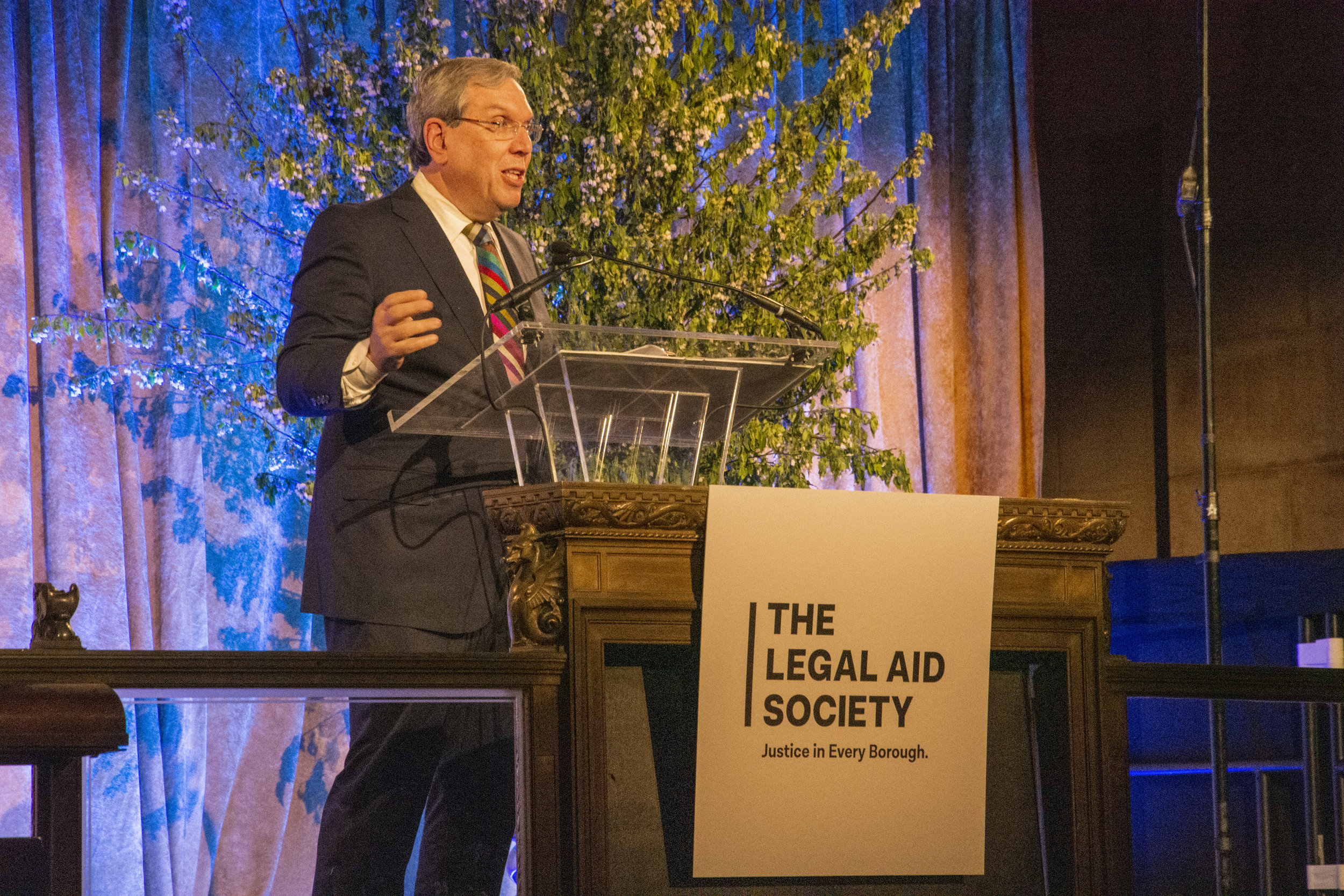Jeffrey L. Kessler, Executive Co-Chairman,Winston & Strawn LLP, receives the 2019 Servant of Justice Award.