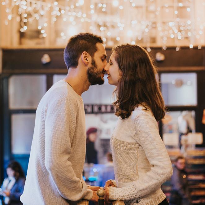 Thumbnail-Engagement-Paris-Toronto-Destination-Scandaleuse-Weddings-10.jpg