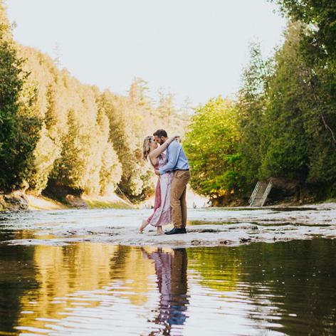 square-Engagement-shoot-Elora-Nature-Scandaleuse-Weddings-10.jpg
