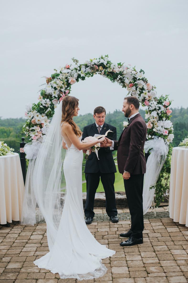 sandy-jana-copper-creek-golf-club-slovak-wedding-toronto-scandaleuse-photography-weddings-17.jpg