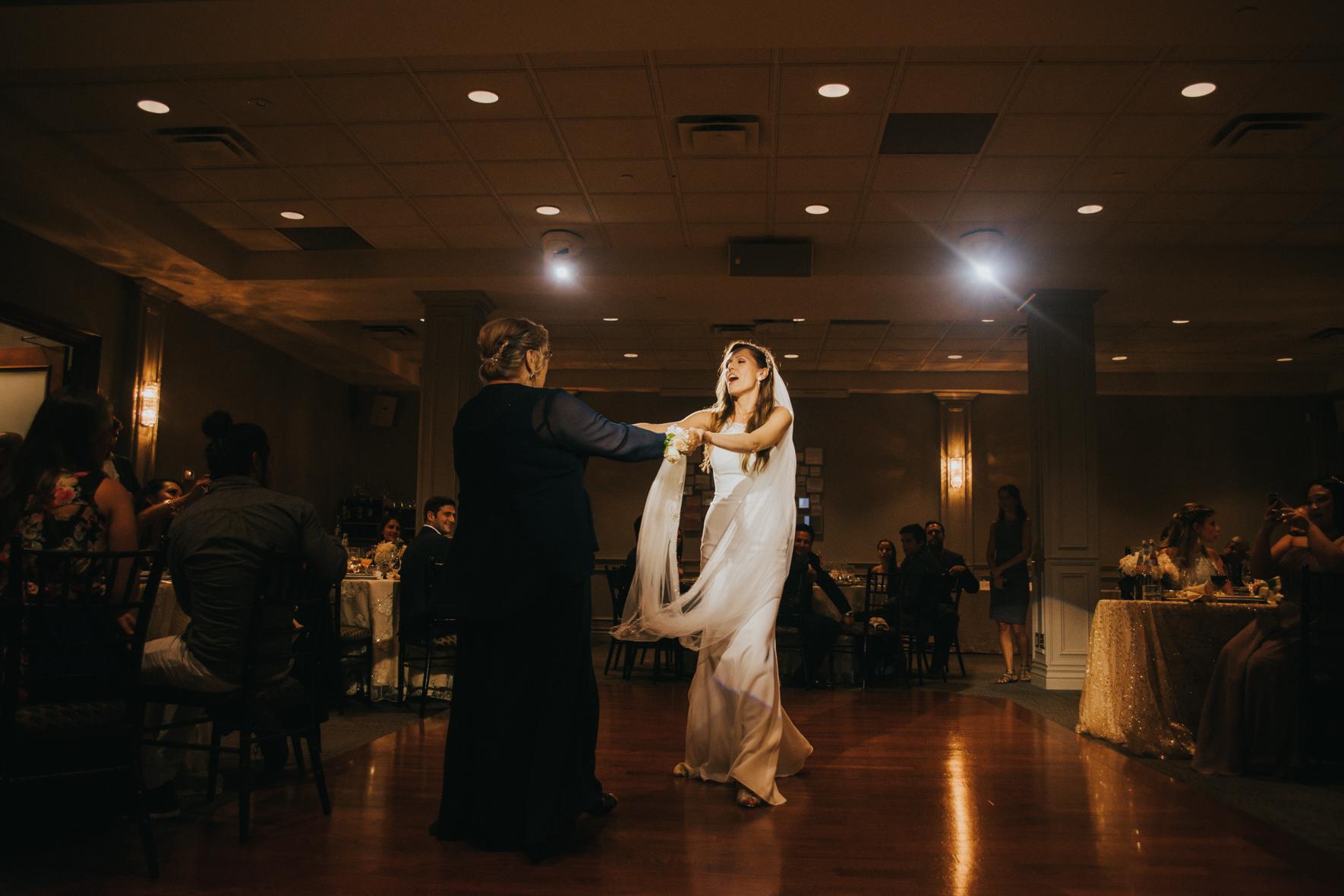sandy-jana-copper-creek-golf-club-slovak-wedding-toronto-scandaleuse-photography-weddings-36.jpg