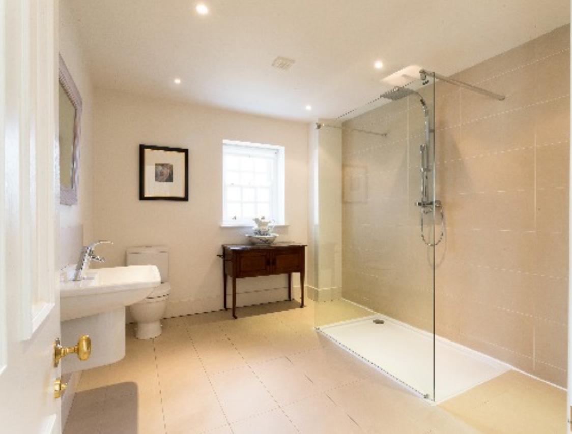 brochure-bathroomM1.jpg