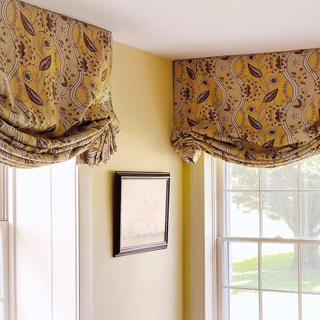 Another #clientshoutout for a busy week!  @danieljmooredesign selected the loveliest #leejofa print for this #horsecountry estate, and they stitched up into the cutest shades this side of the Mason-Dixon!  We call this style a modified soft Roman shade; it's a bit fuller than a regular soft Roman, but not quite as full in the pleats as a London shade. It's a great option for windows like this when you want functional curtains showcasing beautiful textiles.  #custommade #madeinamerica #madeinmarshallva #madeinvirginia #shoplocal #shopfauquier #virginiainteriordesign #dcinteriordesign #middleburglife #customdraperyworkroom #customcurtains #tothetrade #dcdesign #homedecor #howyouhome #textiles #countrylife #lovemyclients #interiordesign #notyourgrandmasdrapes #putahorseonit