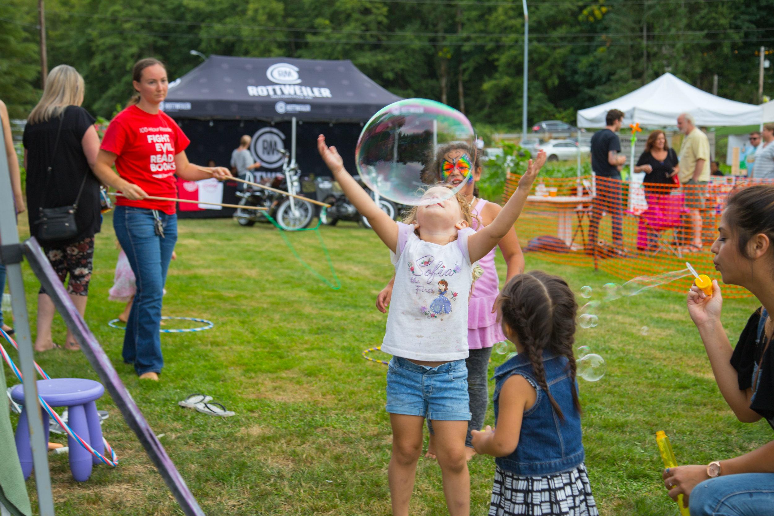 Kids Playing Bubbles 2.jpg