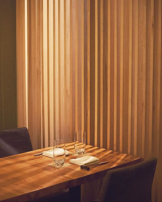 Come cozy up with us ❄️ . . . . . . #shuraku #elegant #shadows #light #wood #hinoki #japanesefood #eeeeeats #nyceats #forkyeah #eaterny #treatyoself #insiderfood #infatuation #michelinguide #foodgasm #foodie #izakaya #omakase