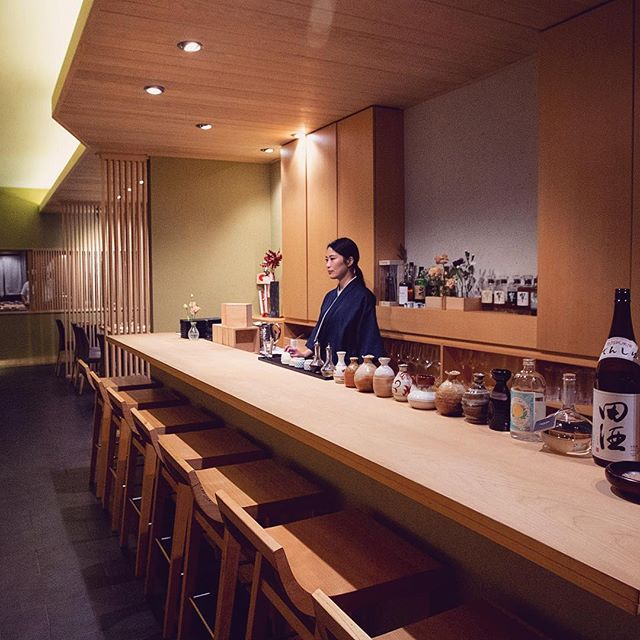 Come hang out at our bar, it's much more beautiful and quiet than your local dive, with perfect music to relax on this rainy day. 🍷 . . . . . . #shuraku #bar #alcohol #nycbars #hiddengem #alcohol #wine #japanesefood #eeeeeats #nyceats #forkyeah #eaterny #treatyoself #insiderfood #infatuation #michelinguide #yummy #foodgasm #foodie #izakaya #omakase #yelpnyc