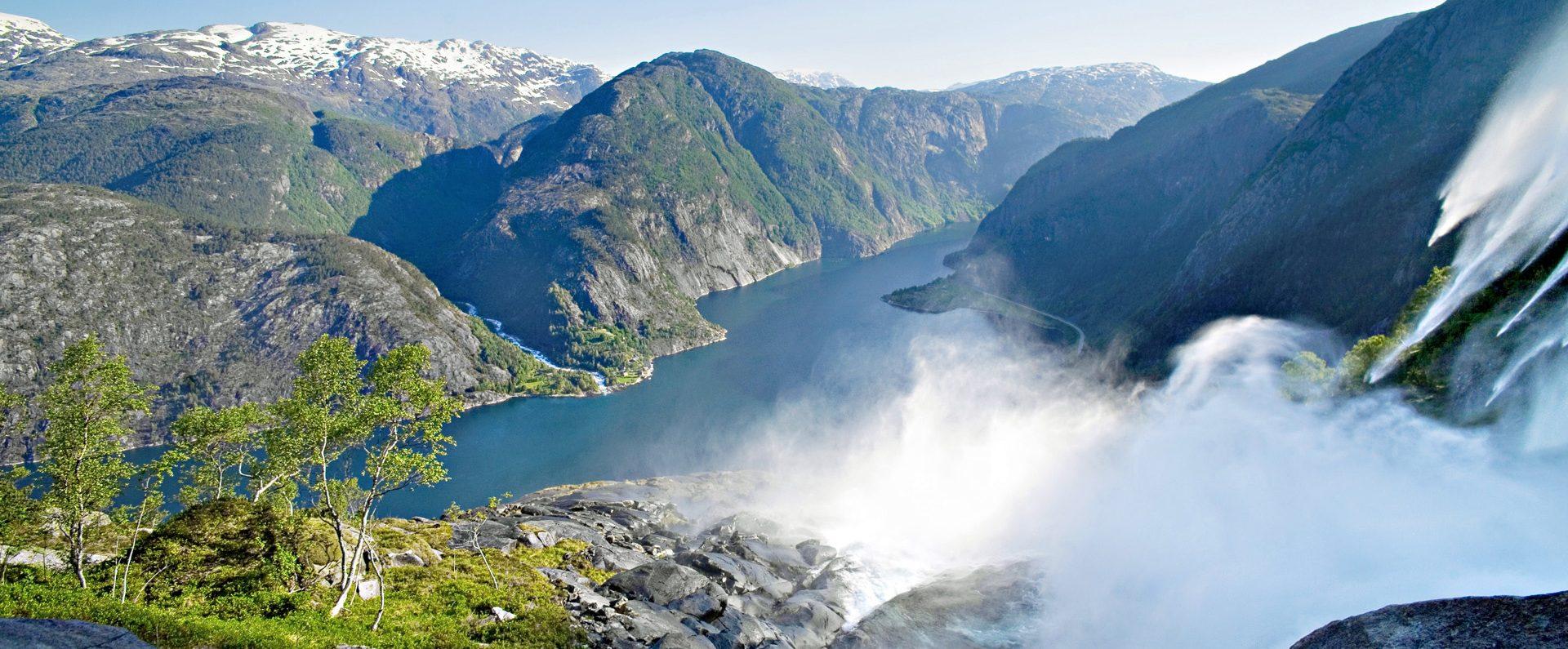 Trolltunga, 3608 ft high cliff, Hordaland Fylke, Norge