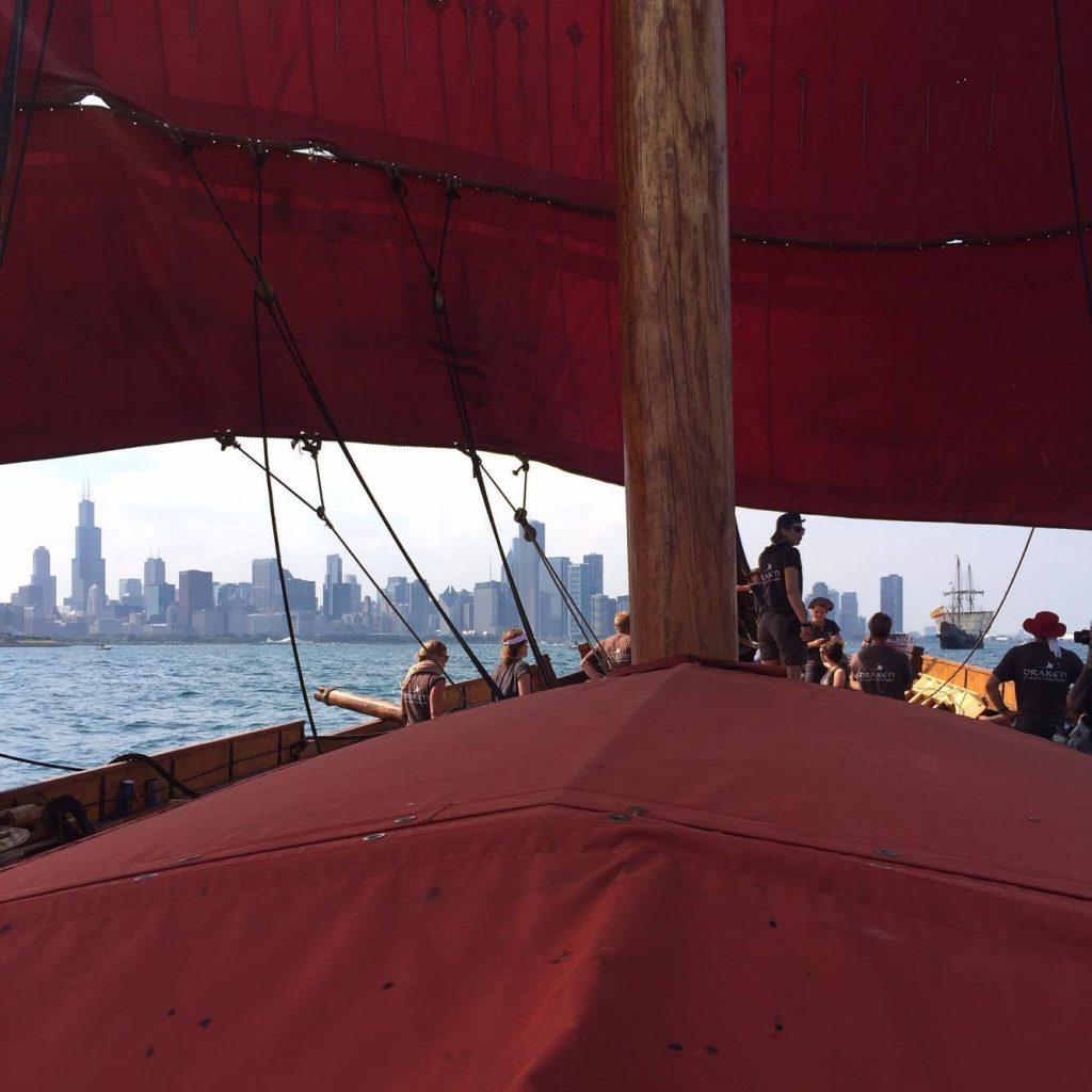 Draken sailing towards the Chicago Skyline. Photo: Kalle Wannerskog