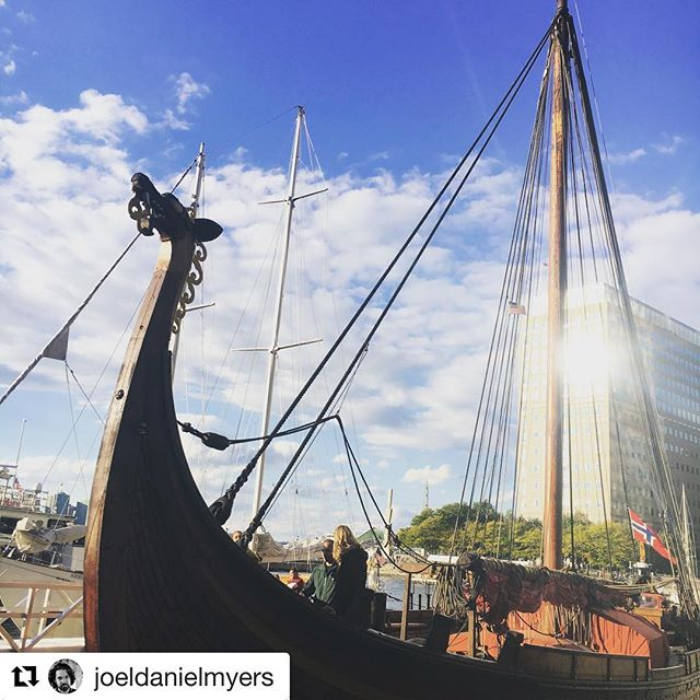 Embrace your #VikingSpirit and join us at North Cove Marina today (11am-7pm) for our last day of adventurous deck tours aboard the Draken on our East Coast Tour! Tickets can be purchased onsite or online, learn more at drakenhh.com/new-york (📸:@joeldanielmyers) . . . . . #draken #drakenhh #drakenharaldhårfagre #sail #sailing #ship #vikingship #adventure #journey #nautical #viking #vikings #vikingspirit #vikingadventure #expeditionamerica #eastcoasttour2018 #america #insta #travel #instatravel #dragon #norway