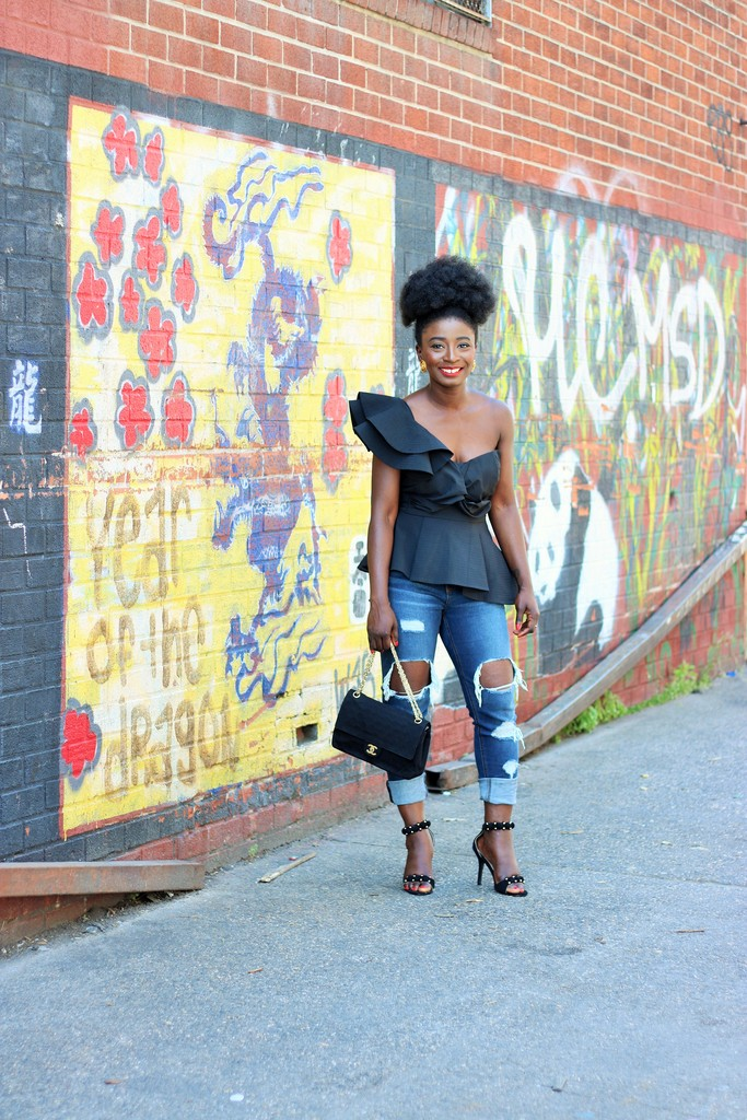 One-Shoulder-Top-Outfit-Jeans.jpg