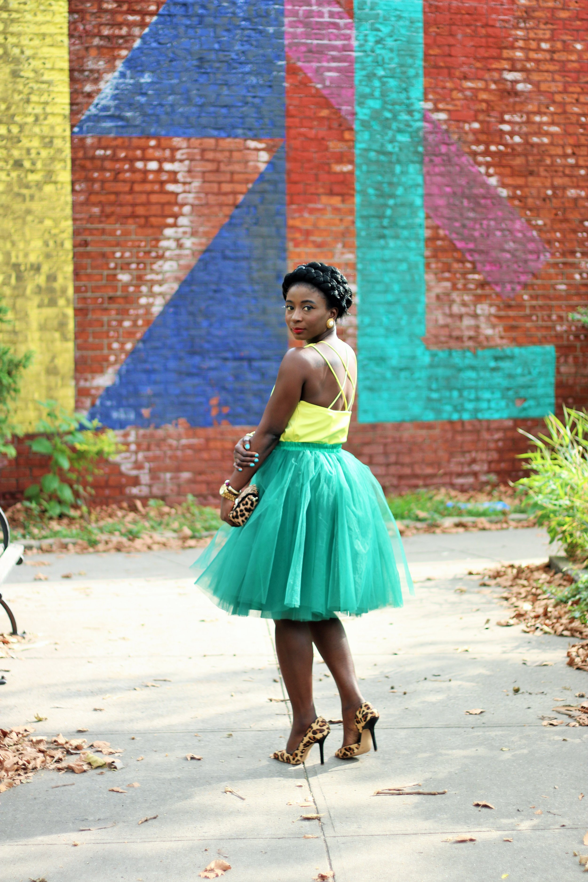 Army-Green-And-Yellow-Outfit-Ideas