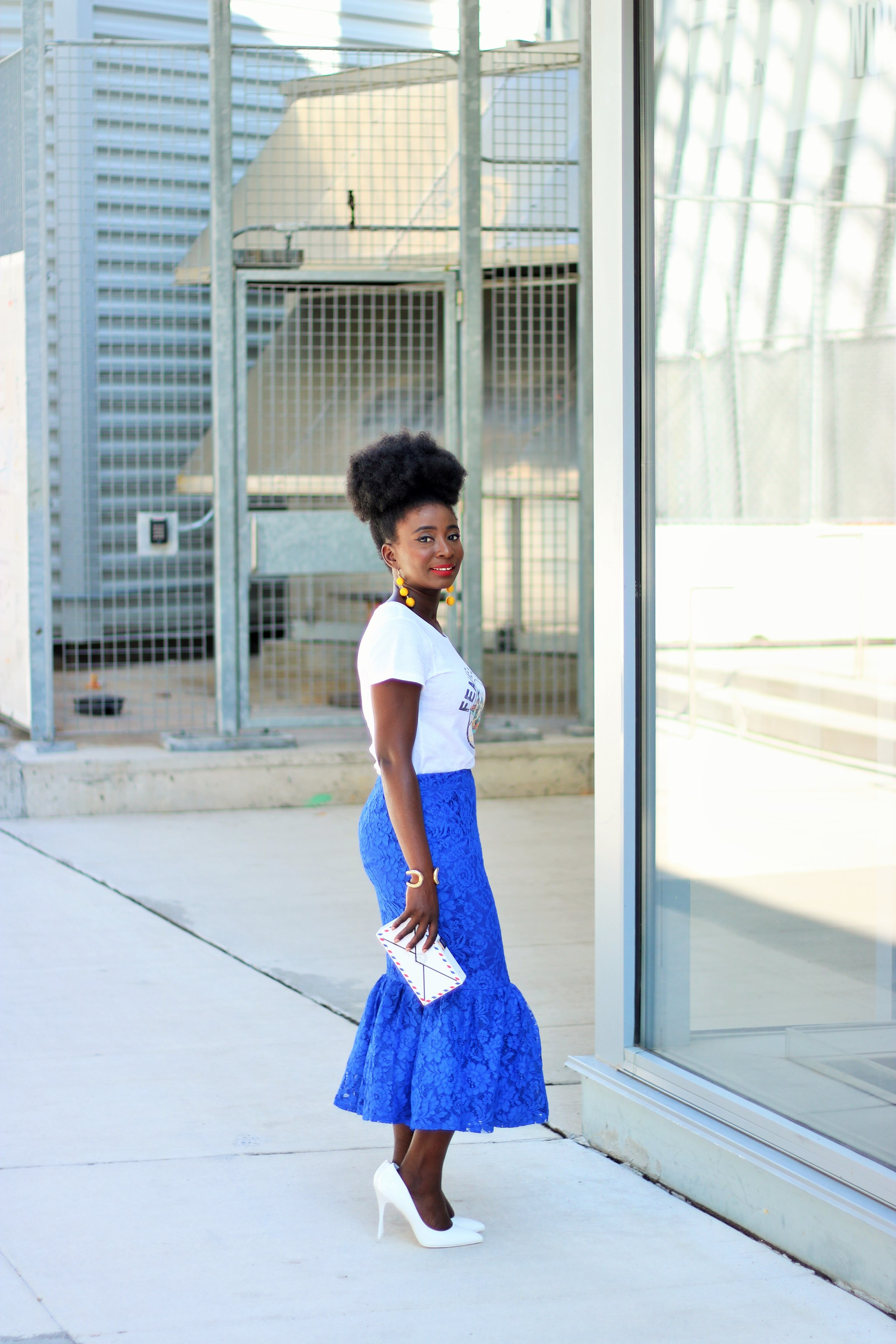 Lace-Skirt-Outfit-Ideas