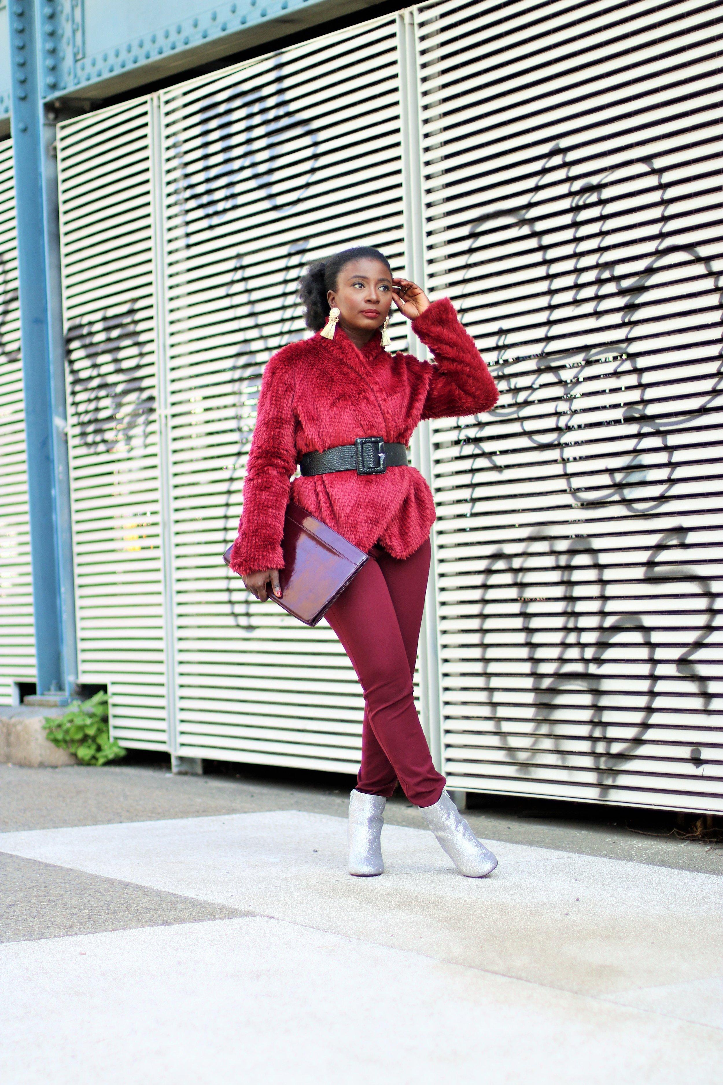 Burgundy-Faux-Fur-Coat-Outfit-Ideas