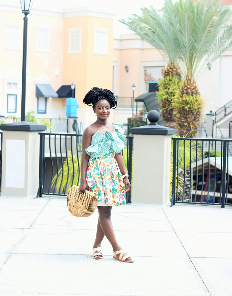 Gingham-Shirt-Outfit-Ideas