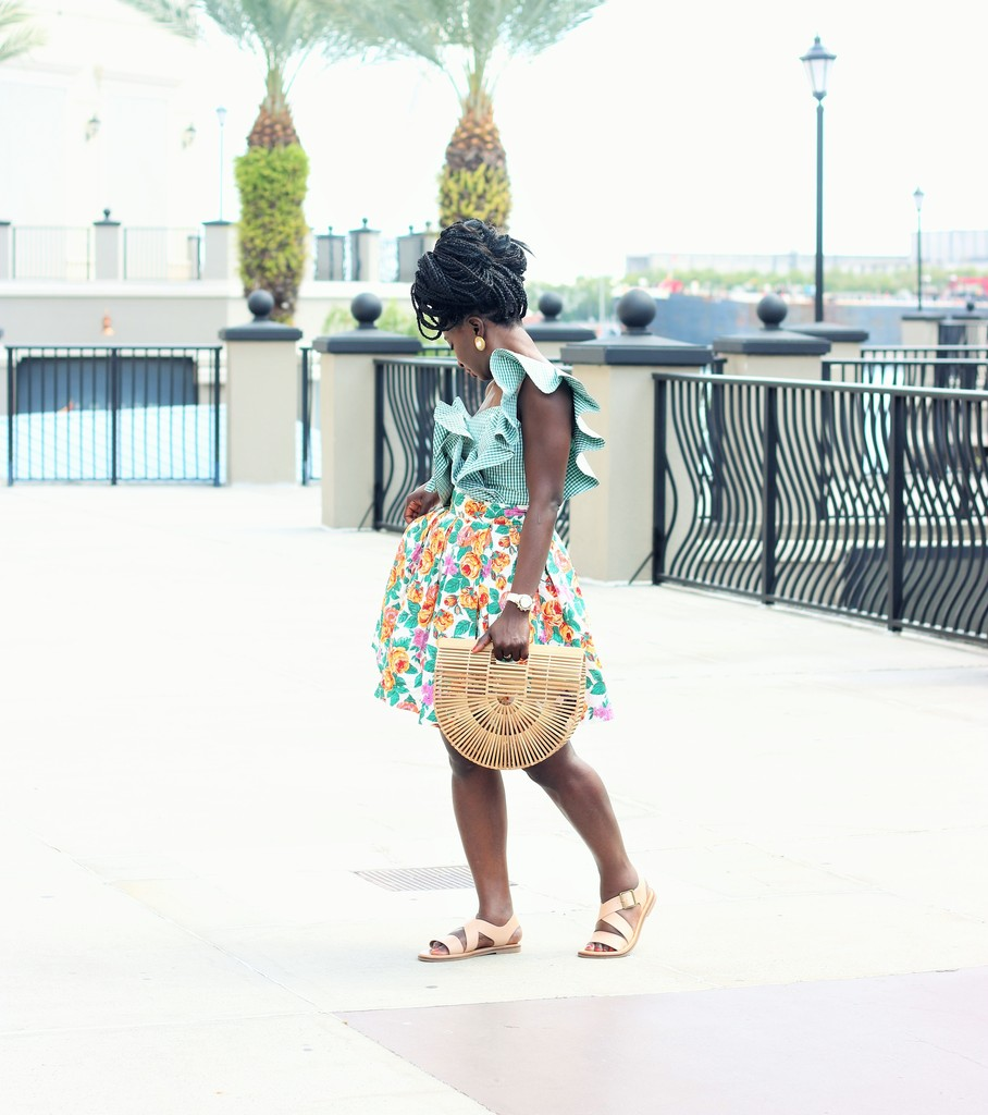 Floral-Skirt-Outfit-Ideas