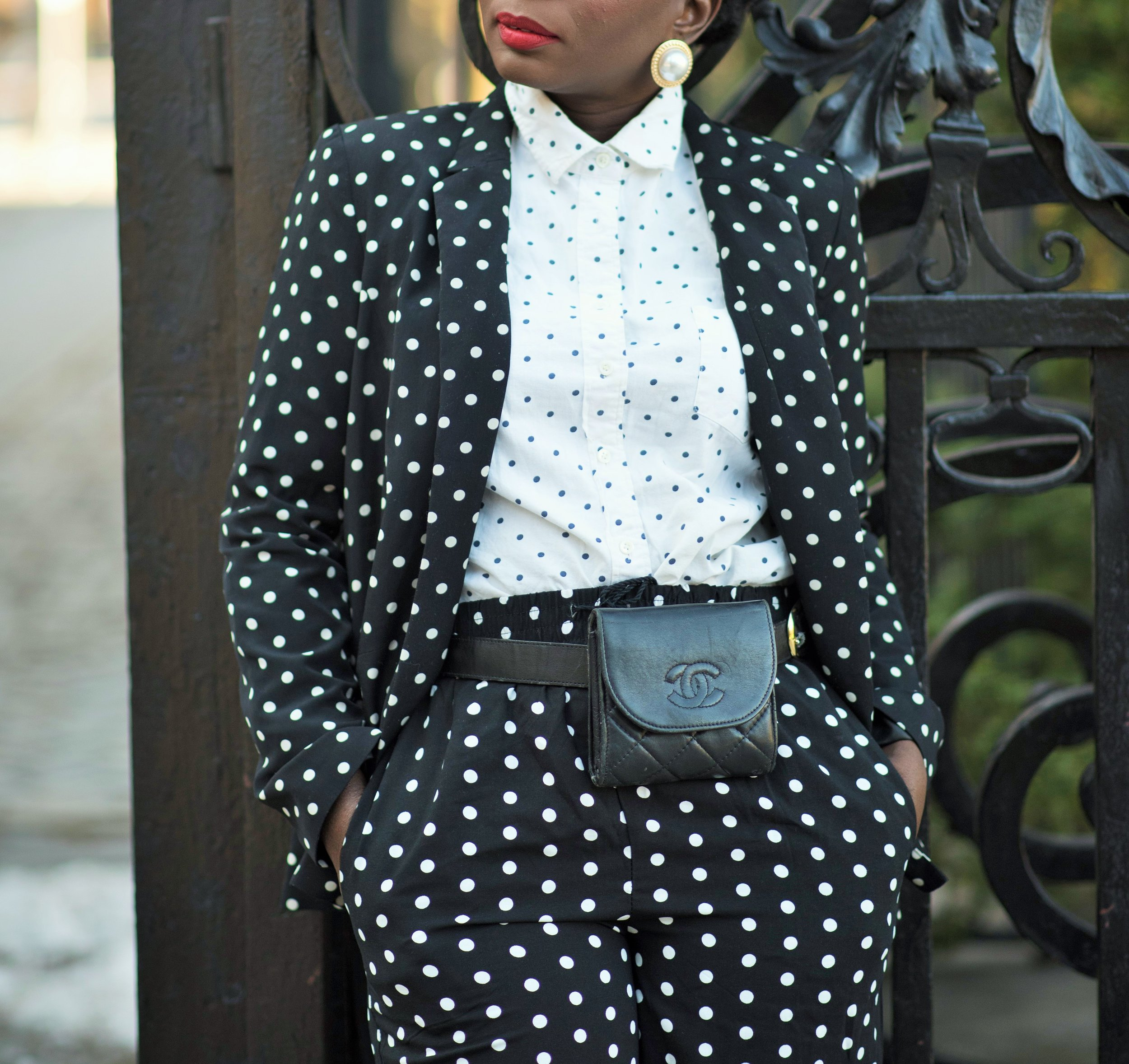 Street-Style-Suits-And-Fanny-Pack-Outfit-Ideas