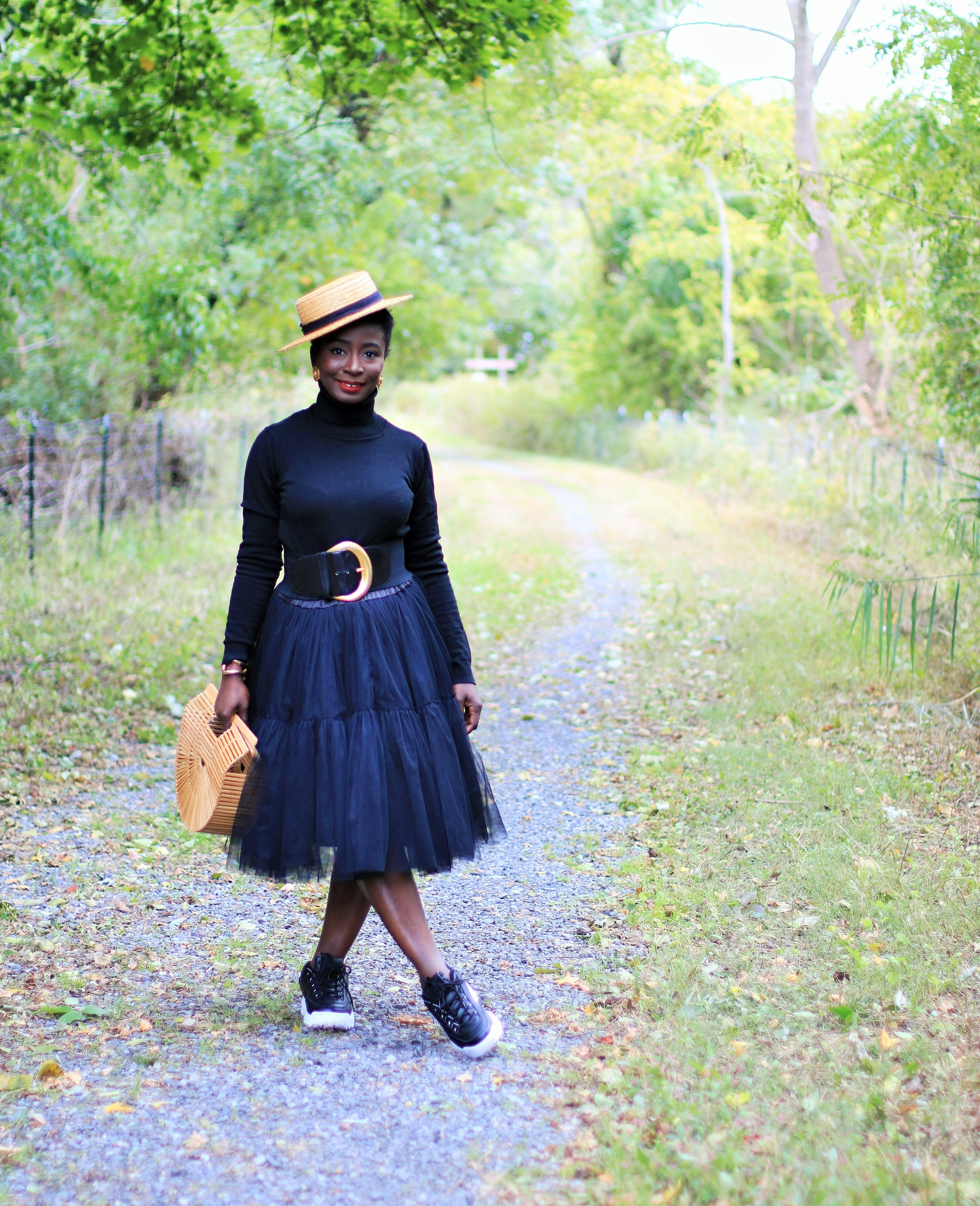Tulle-Skirt-And-Sneakers-Outfit-Ideas