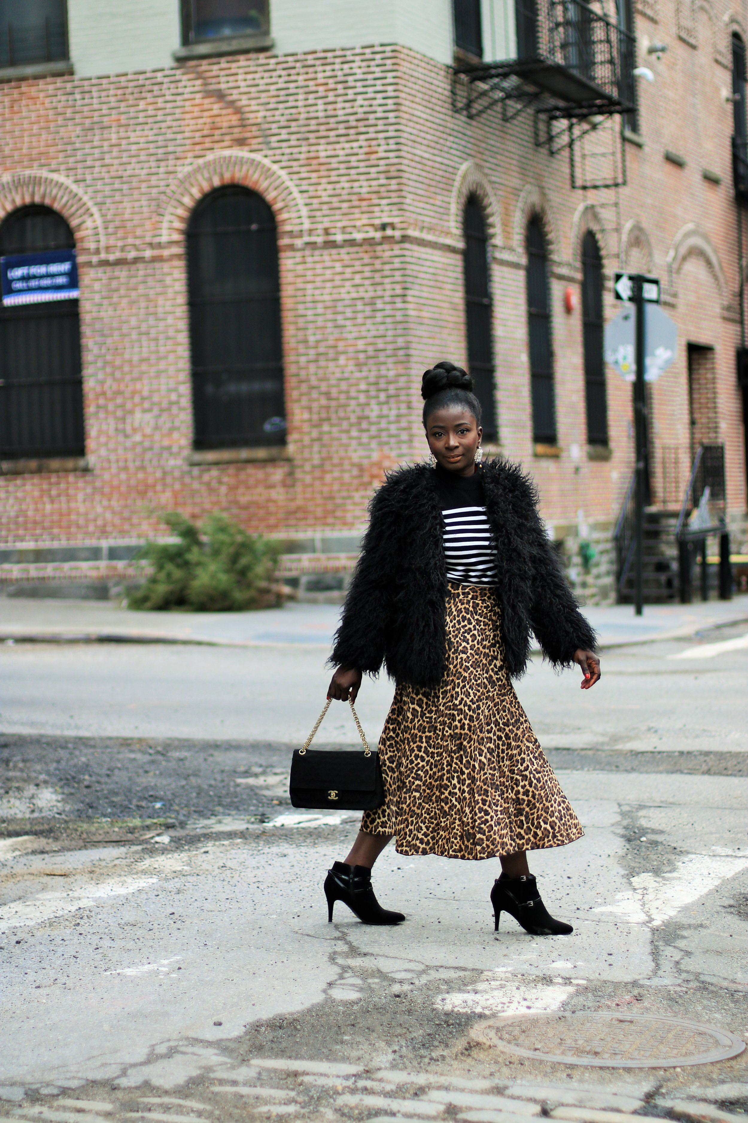 leopard-print-skirt-outfit