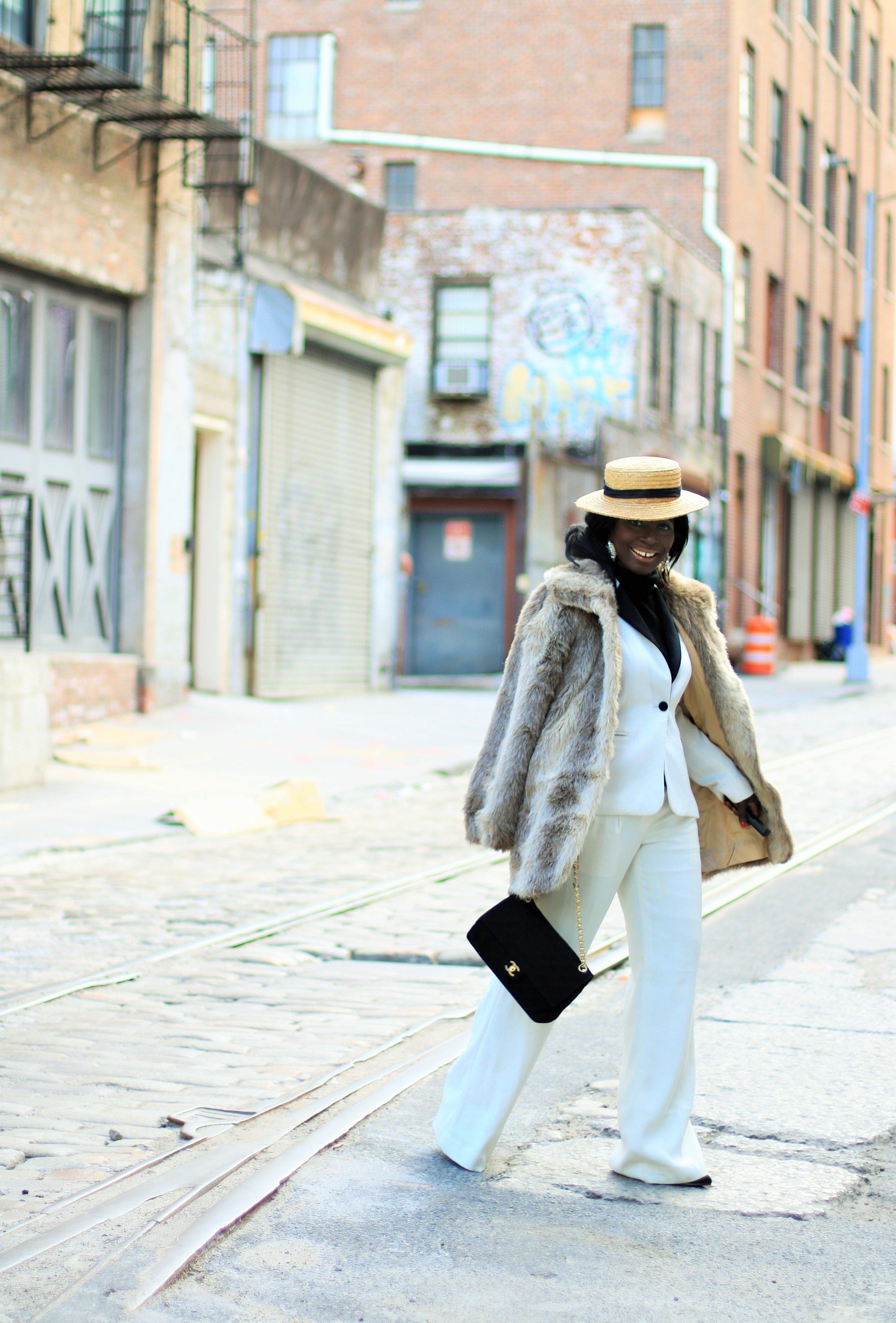 Street-Style-faux-fur-coat-womens
