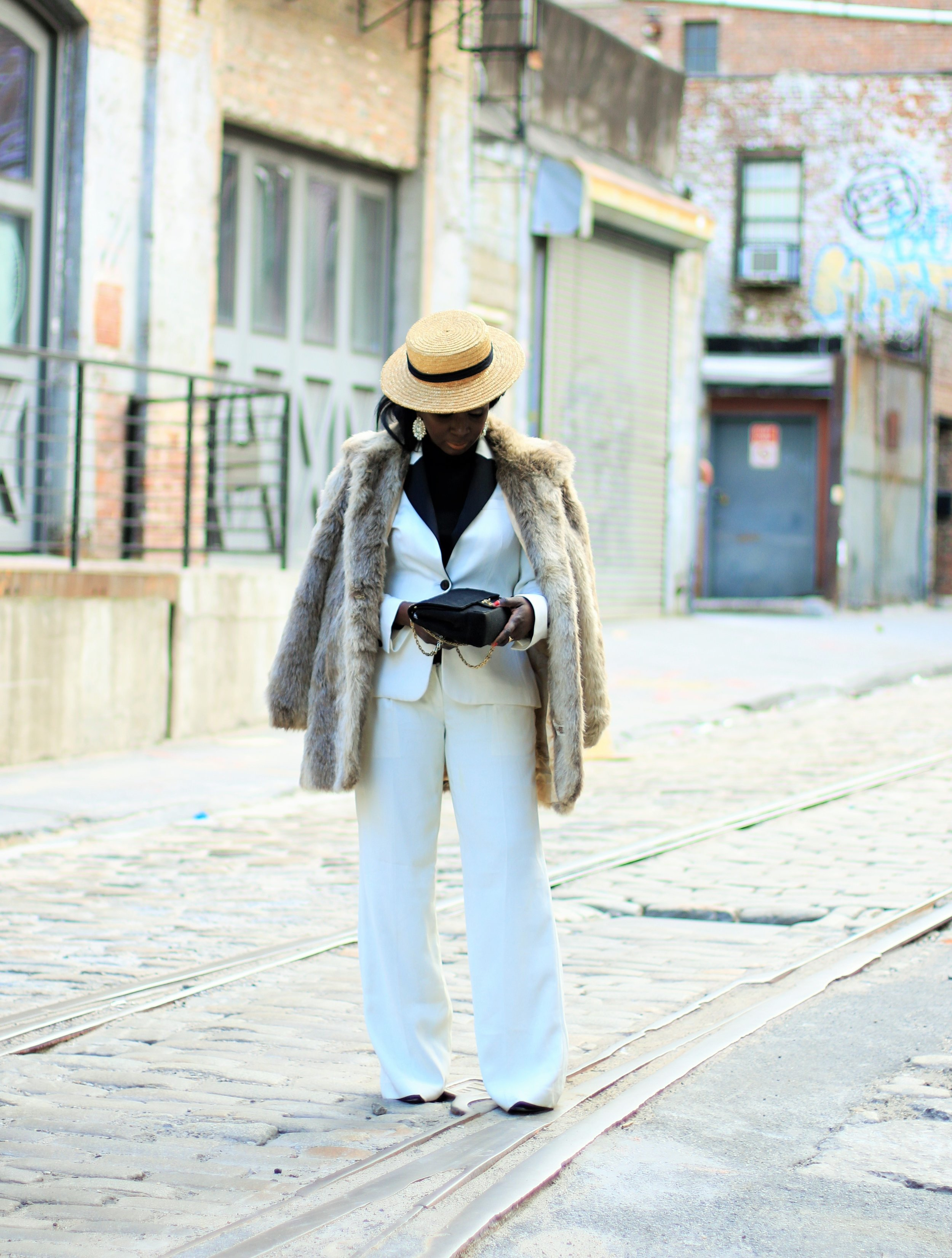womens-pant-suit-express
