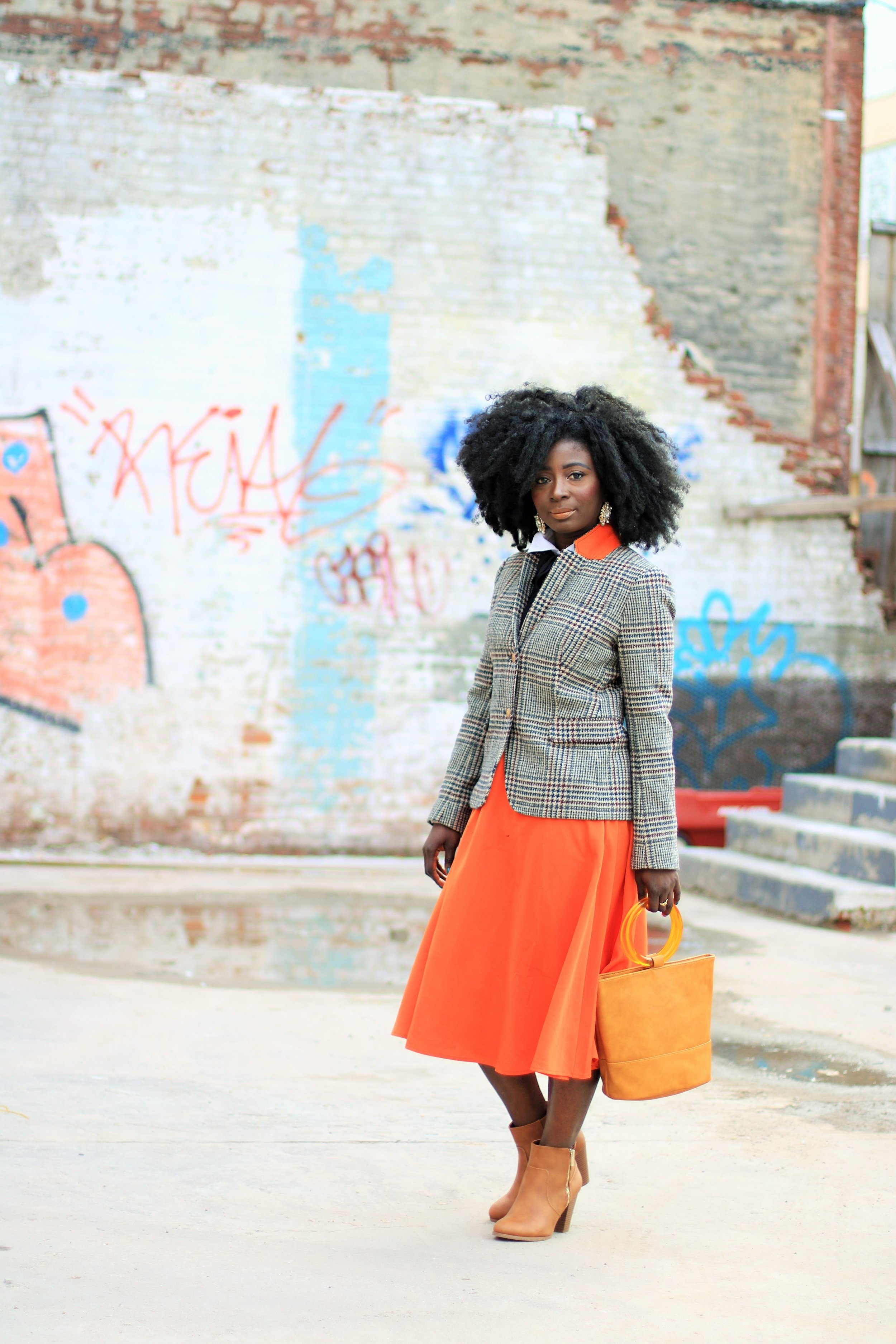 Orange-Skirt-Outfit-Ideas