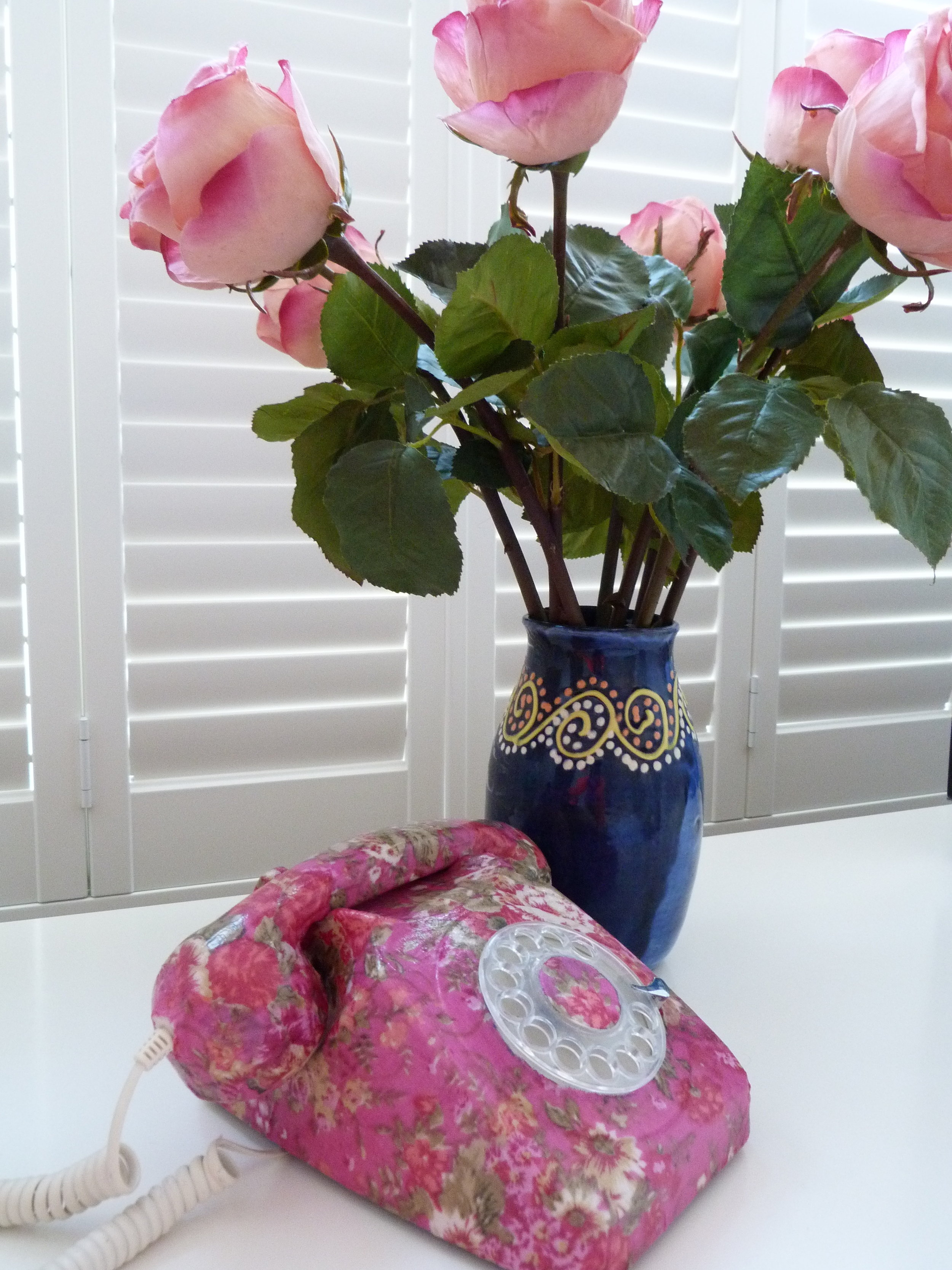 Roses & pink telephone