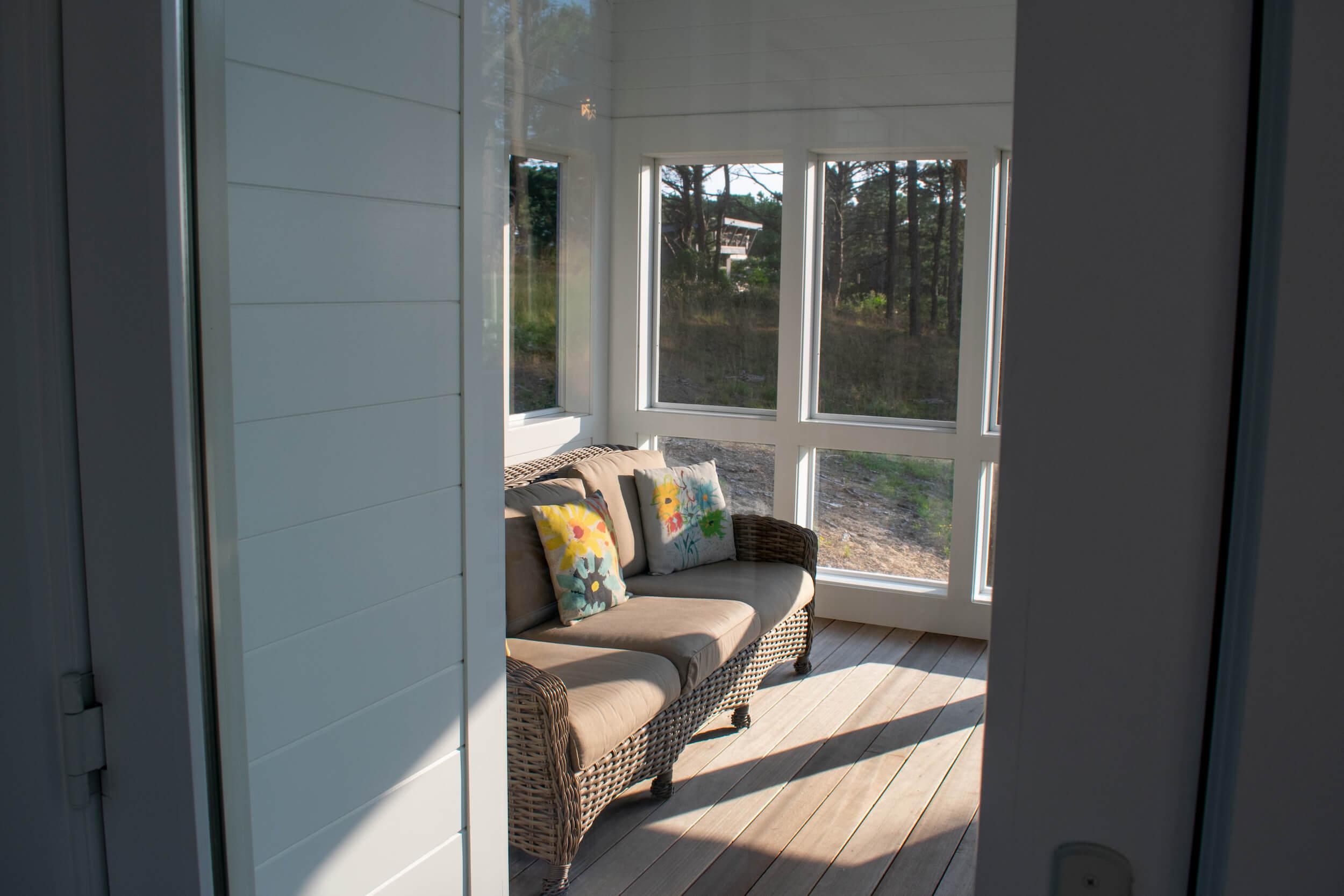Porch1.jpg