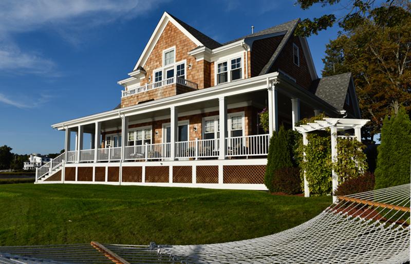 riverside house backyard
