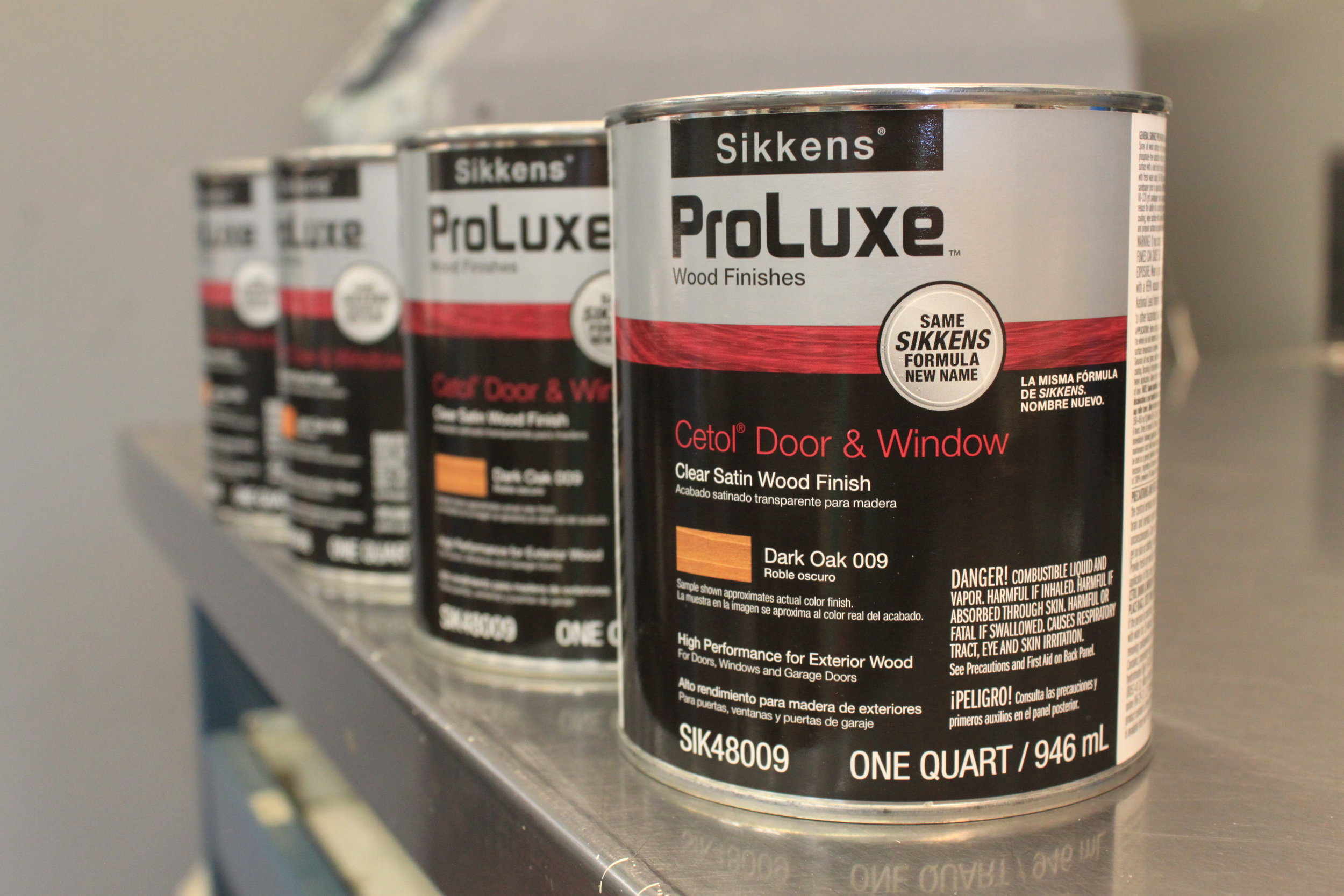 PPG ProLuxe  PPG ProLuxe products are designed to provide a distinctively rich and vibrant finish, durability, and performance on all types of exterior wood, from decks to siding, windows, and doors.