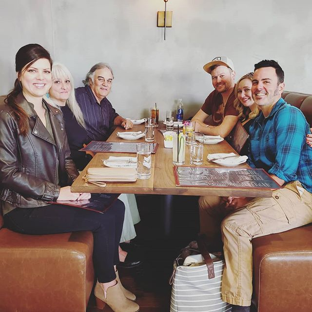 Took some much needed time off from the event planning marathon to share a lovely meal with some fellow members of the Edwards clan. 🧡🥰 #edwardspartyof6 #family #gather #brunch #sacramento #saturday #familytime